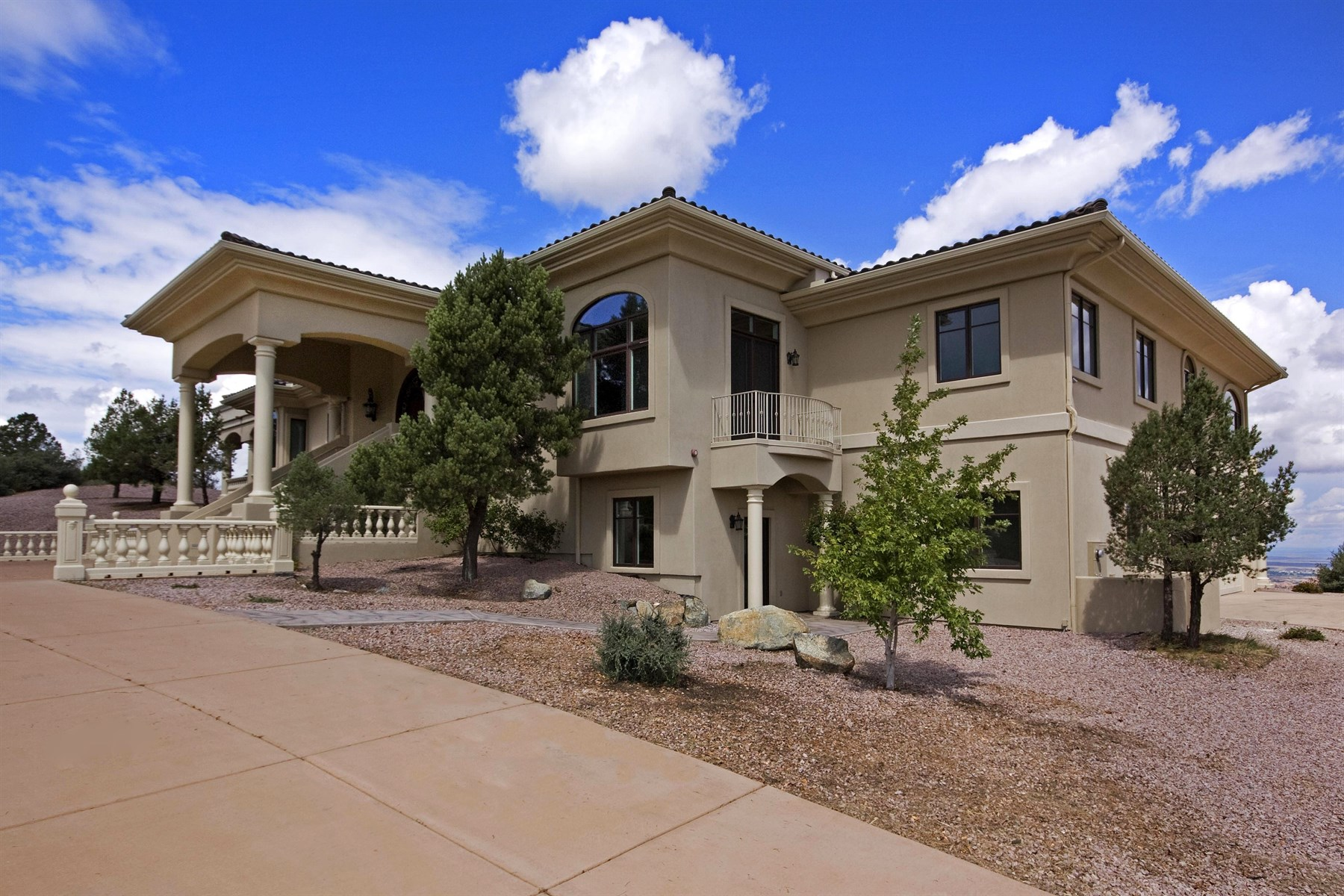 Single Family Home for Sale at Elegant-Spectacular Mansion 208 Echo Hills Prescott, Arizona 86303 United States