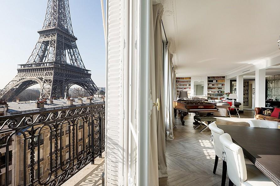 Property For Sale at Paris 7 - Apartment Champ-de-Mars