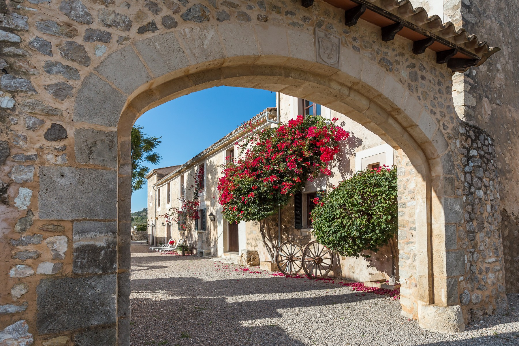 Villa per Vendita alle ore Extraordinary, historic Country Estate refurbished Alaro, Maiorca, 07340 Spagna