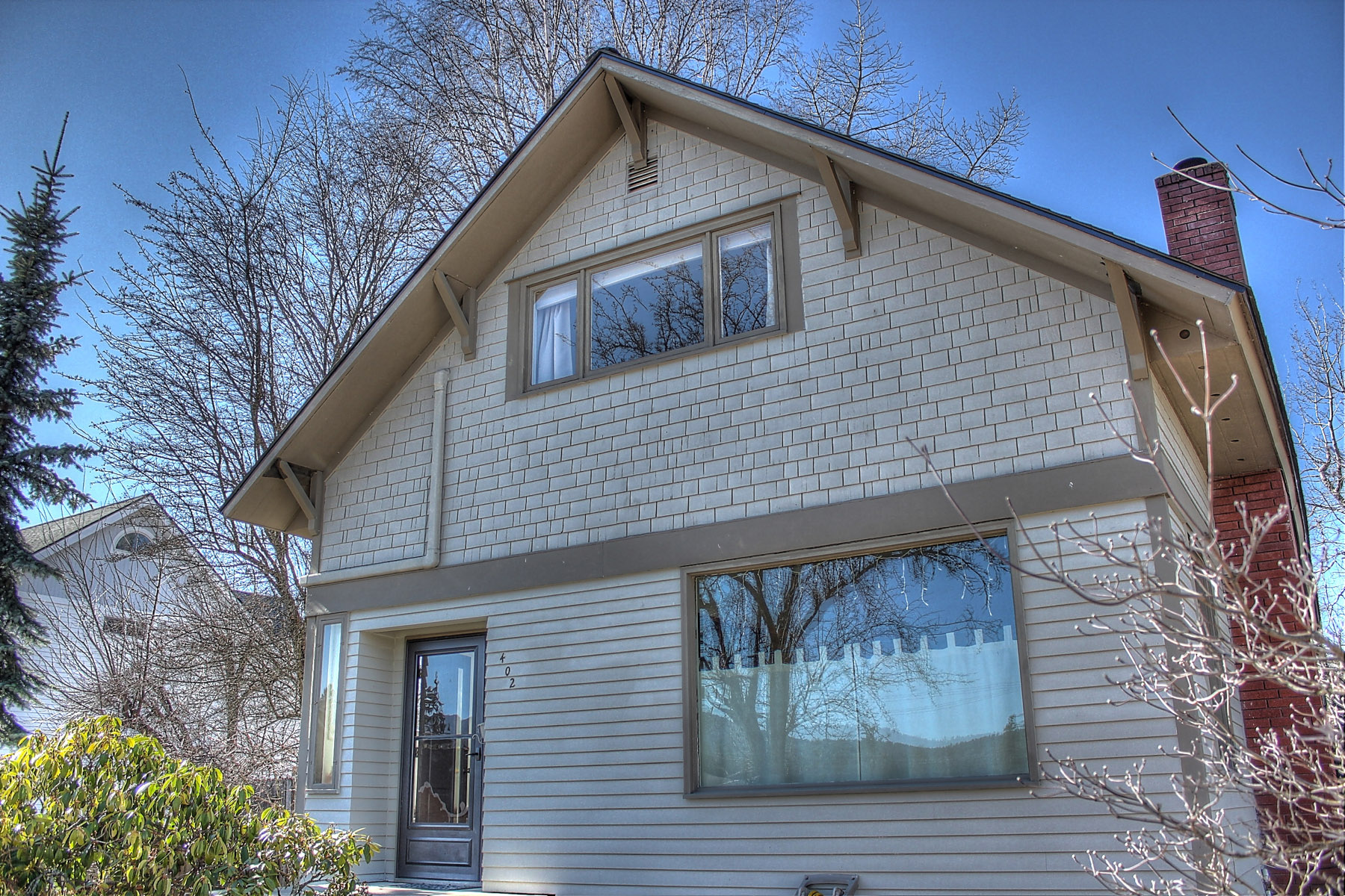 Single Family Home for Sale at Classic South Side Home 402 S Boyer Sandpoint, Idaho 83864 United States