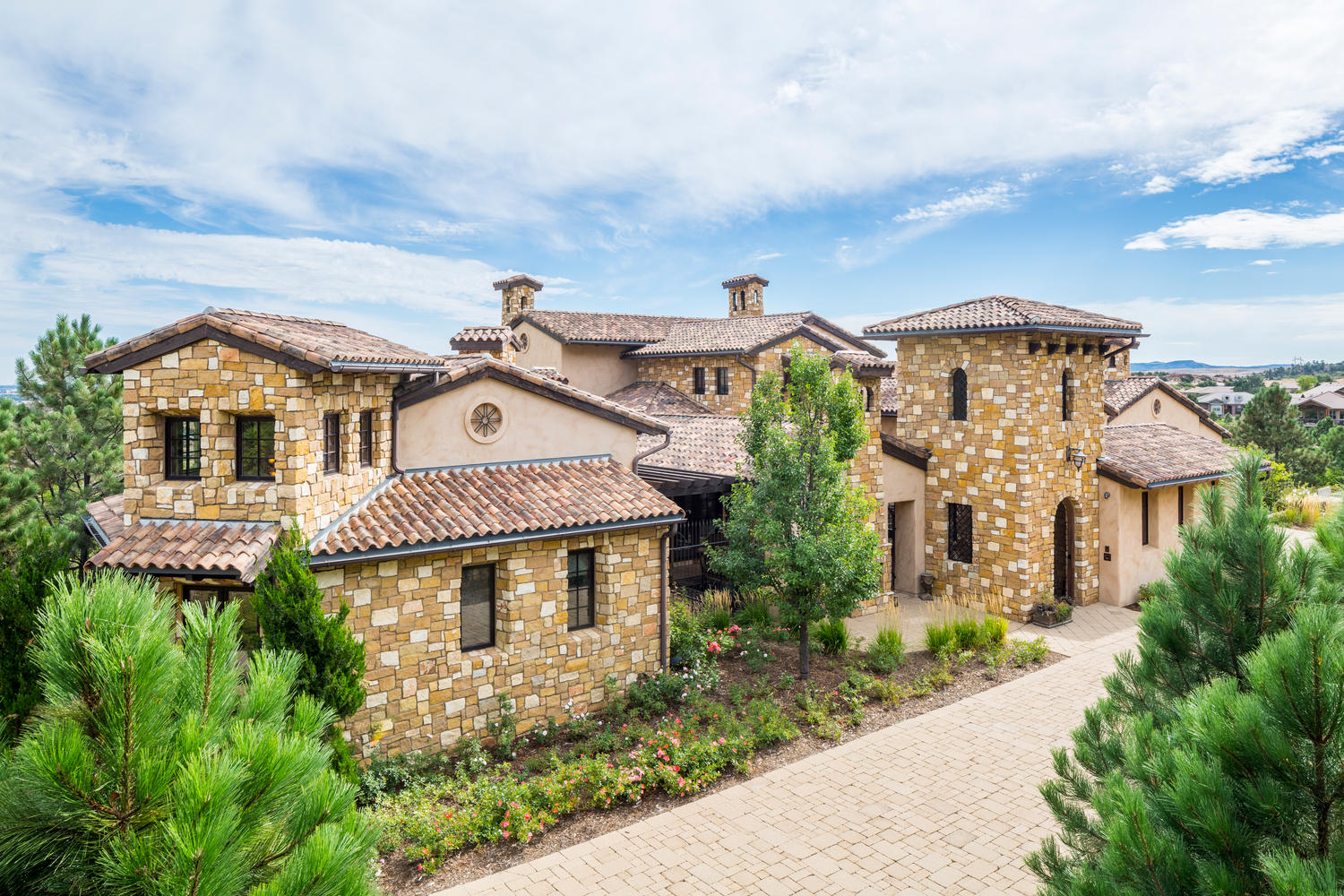 Single Family Home for Active at Rare estate property within the gates of Ravenna 7625 Dante Dr Littleton, Colorado 80125 United States