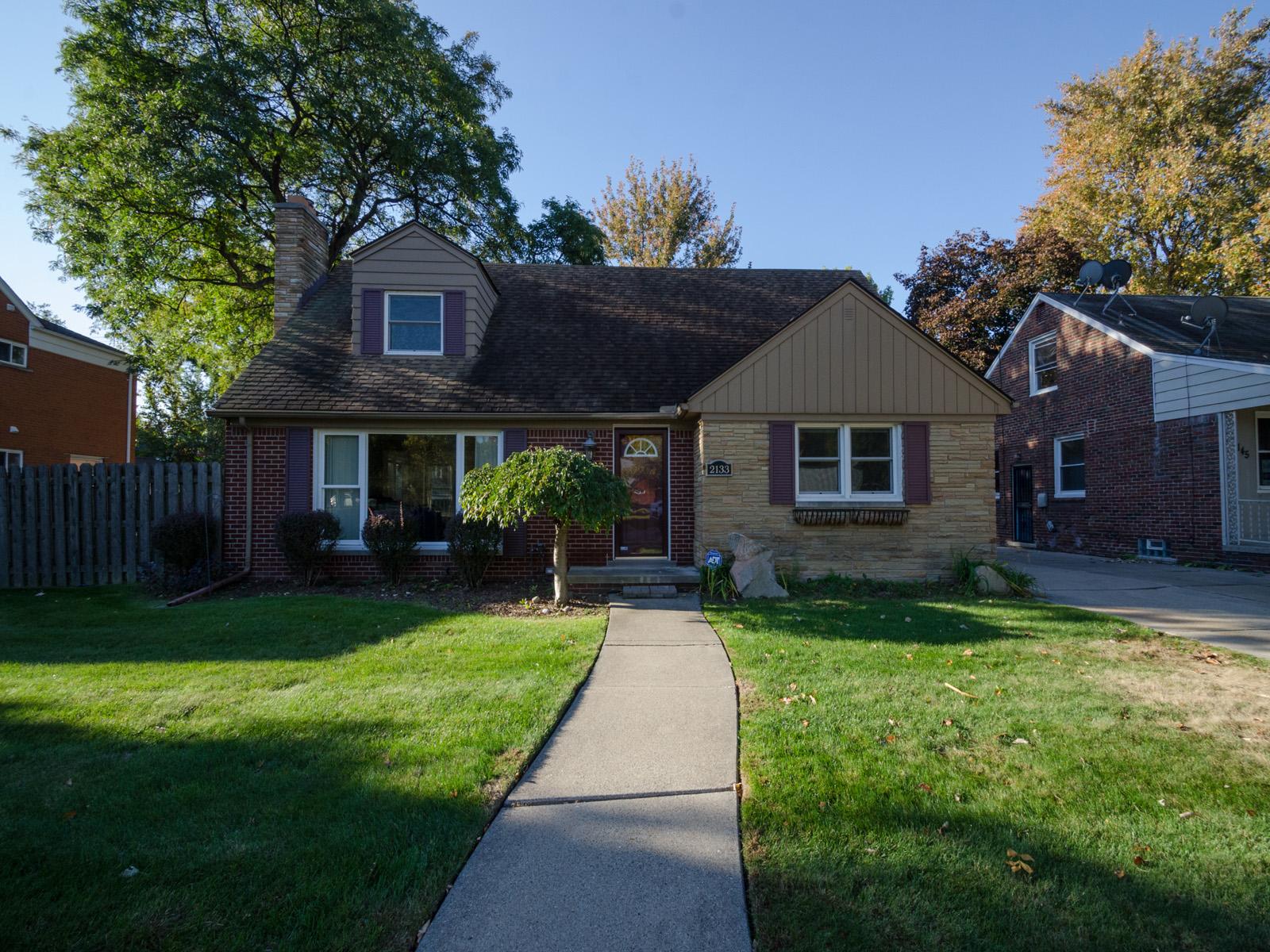 Einfamilienhaus für Verkauf beim Grosse Pointe Woods 2133 Vernier Road Grosse Pointe Woods, Michigan 48236 Vereinigte Staaten