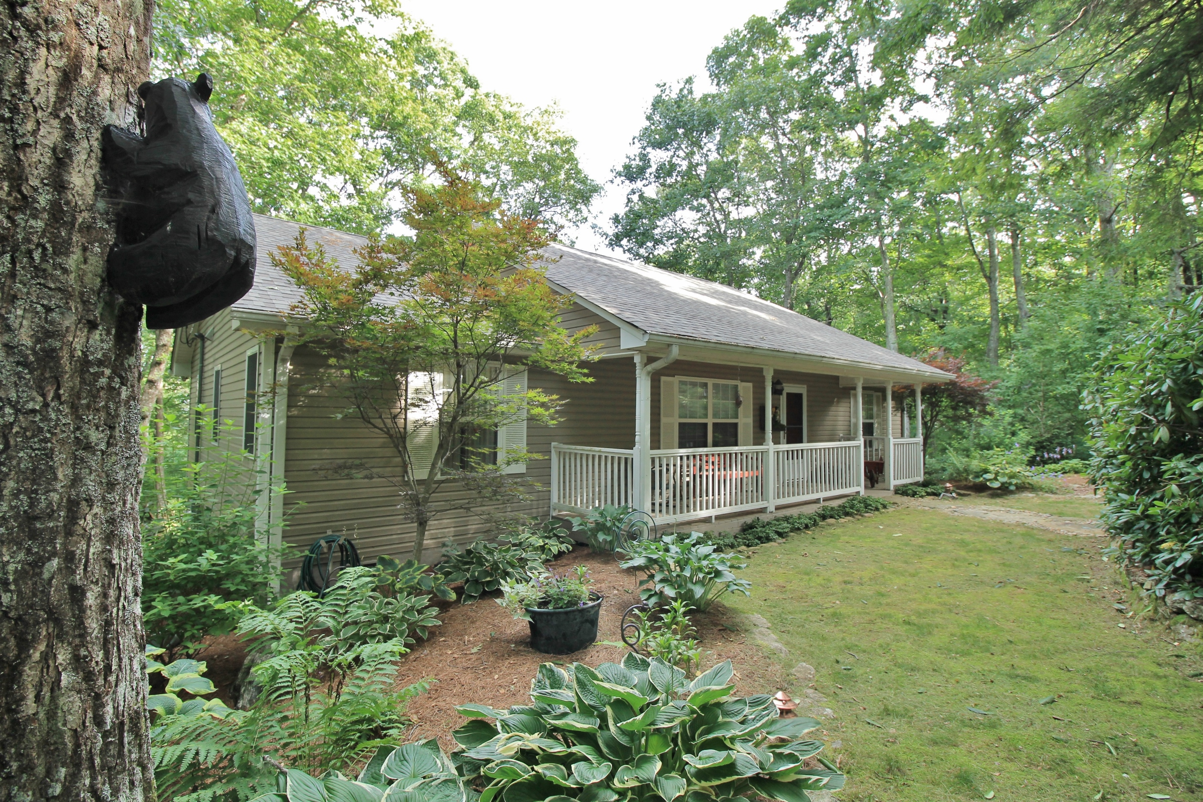 Single Family Home for Sale at 144 Pond Road Highlands, North Carolina 28741 United States