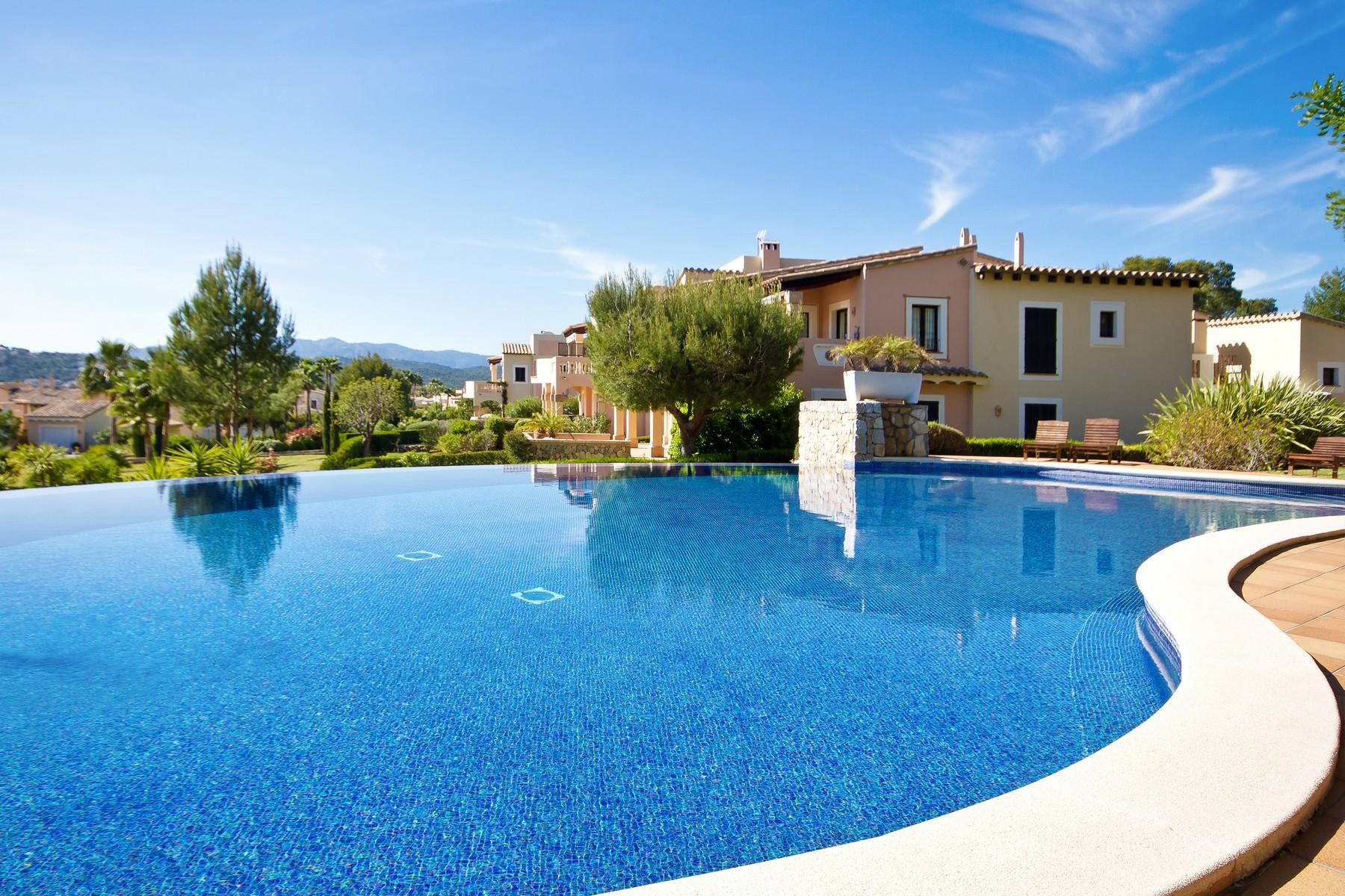 Apartamento por un Venta en Frontline golf apartment in Santa Ponsa Santa Ponsa, Mallorca 07180 España