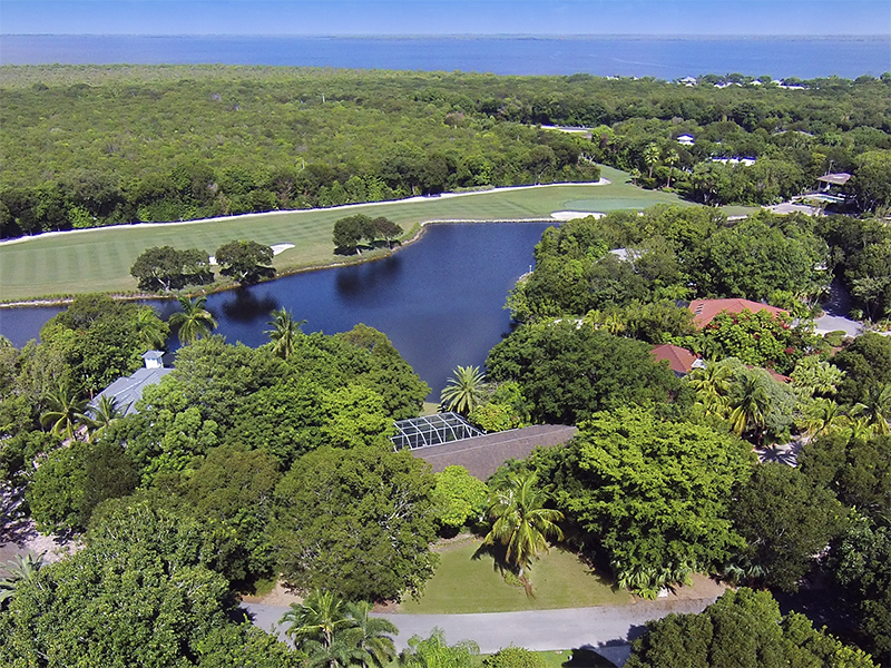 Maison unifamiliale pour l Vente à Lake Front Home at Ocean Reef 23 Dilly Tree Park Ocean Reef Community, Key Largo, Florida 33037 États-Unis
