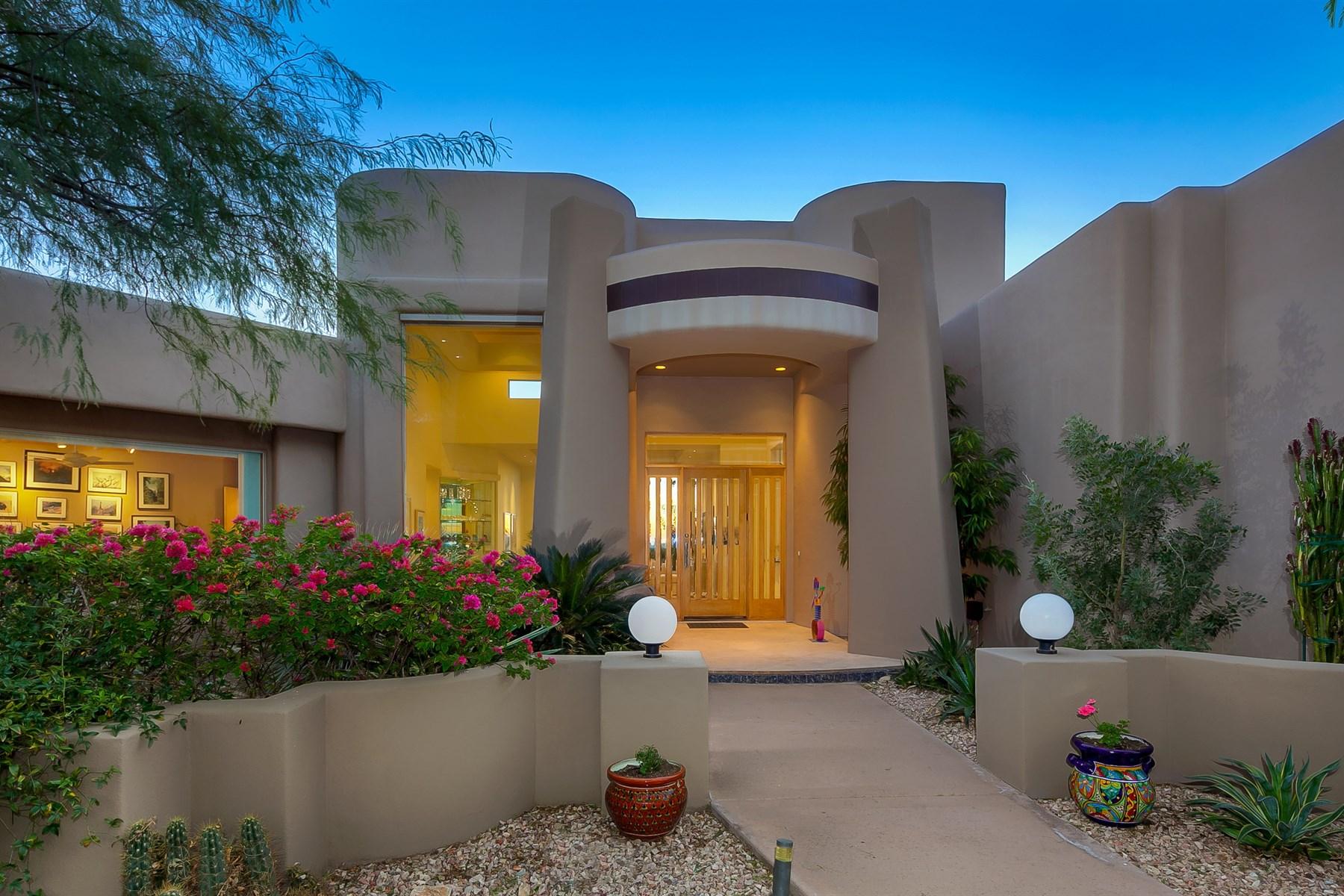 Casa Unifamiliar por un Venta en Spectacular views from this sensational custom home 11825 E Desert Trail Rd Scottsdale, Arizona 85259 Estados Unidos