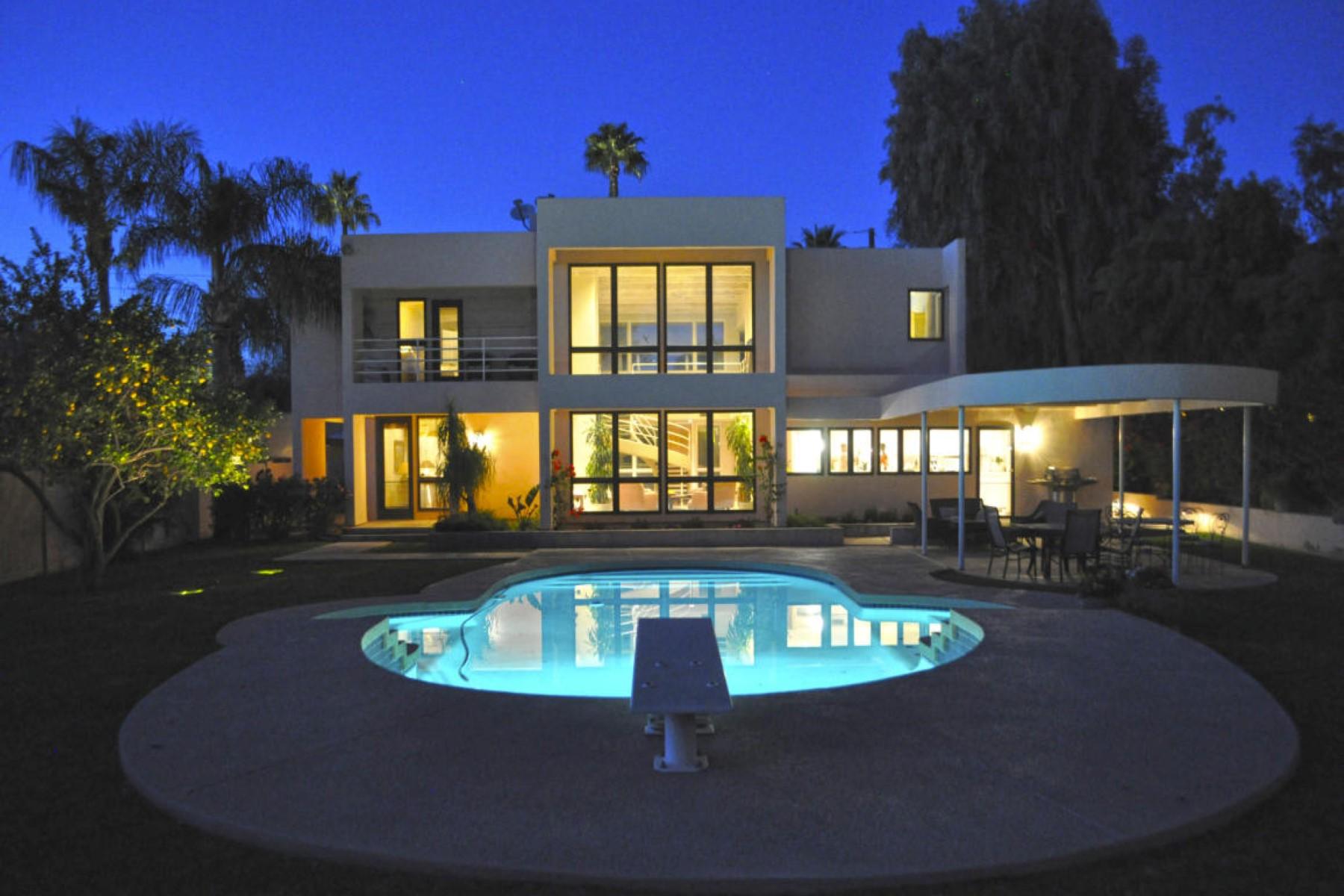 獨棟家庭住宅 為 出售 在 Elegant contemporary home 2045 E Bethany Home Rd Phoenix, 亞利桑那州, 85016 美國