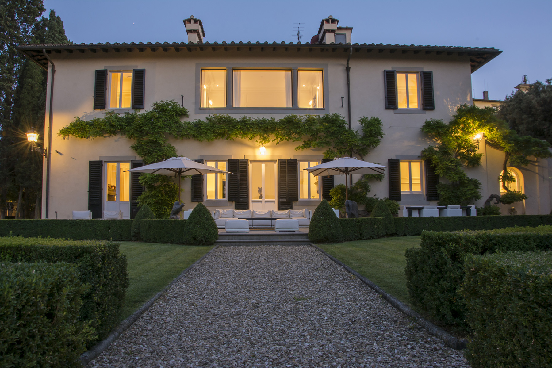 Additional photo for property listing at Beautiful villa with breathtaking views of Florence Firenze, Florence Italie