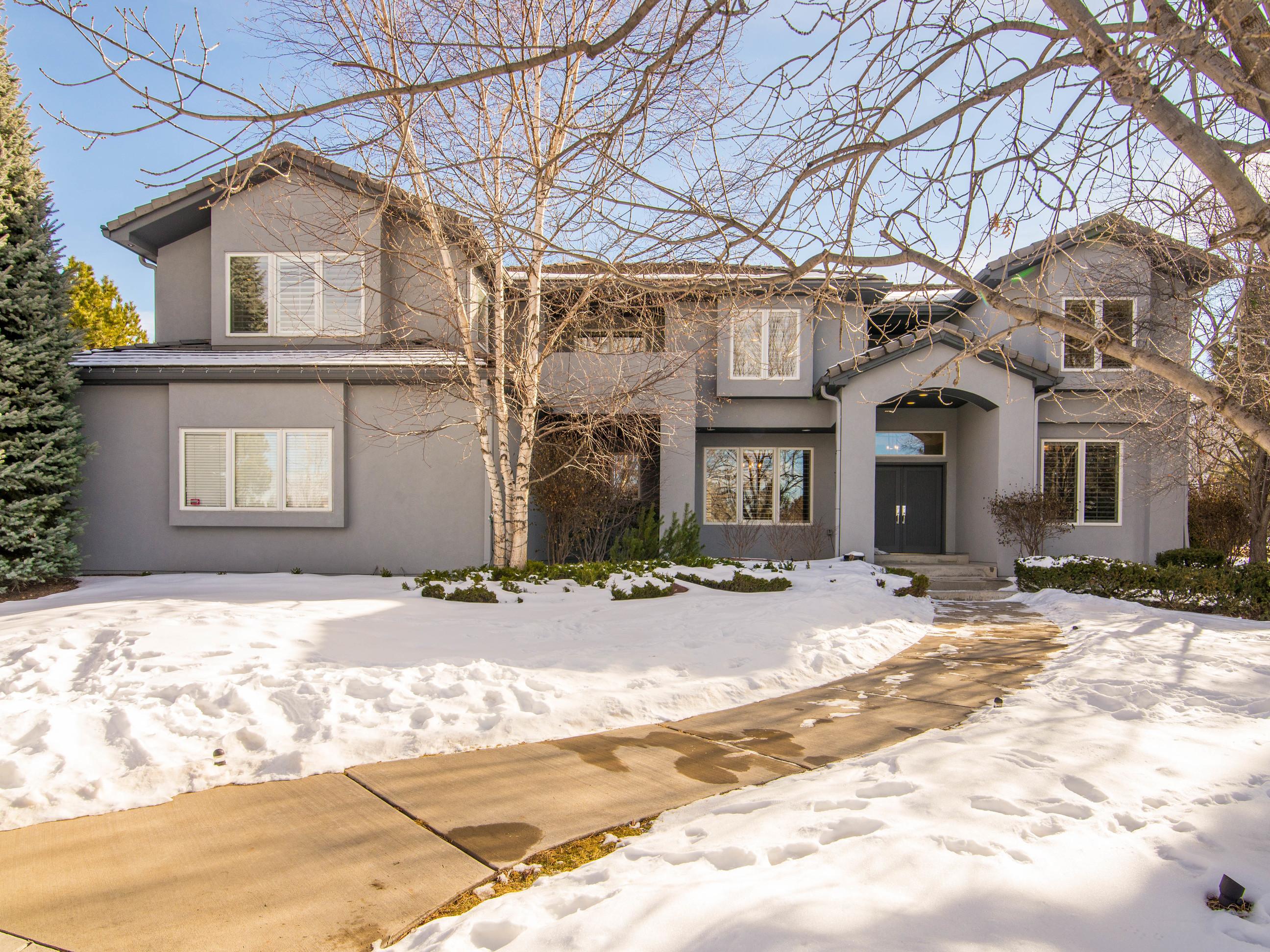 Einfamilienhaus für Verkauf beim Tasteful and Striking Custom Home 5560 Pine Court Greenwood Village, Colorado 80121 Vereinigte Staaten