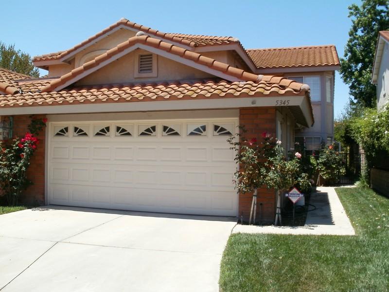 Condominio per Vendita alle ore 5345 Isabella Court Agoura Hills, California 91301 Stati Uniti