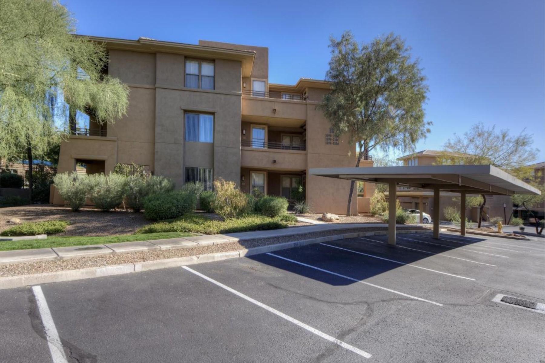 Appartement pour l Vente à Beautifully remodeled unit with great views of the quiet pool 20100 N 78TH PL 2100 Scottsdale, Arizona 85255 États-Unis