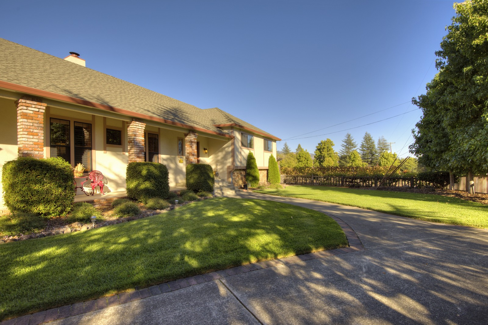 Casa para uma família para Venda às 820 Phillips Drive Penngrove, Califórnia, 94951 Estados Unidos