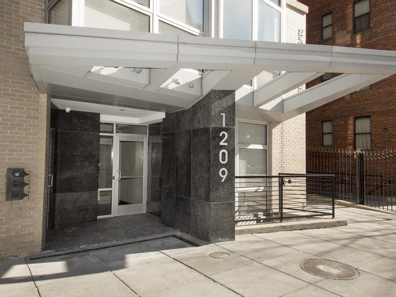 共管物業 為 出售 在 Logan Circle 1209 13th St NW 208 Washington, 哥倫比亞特區 20005 美國