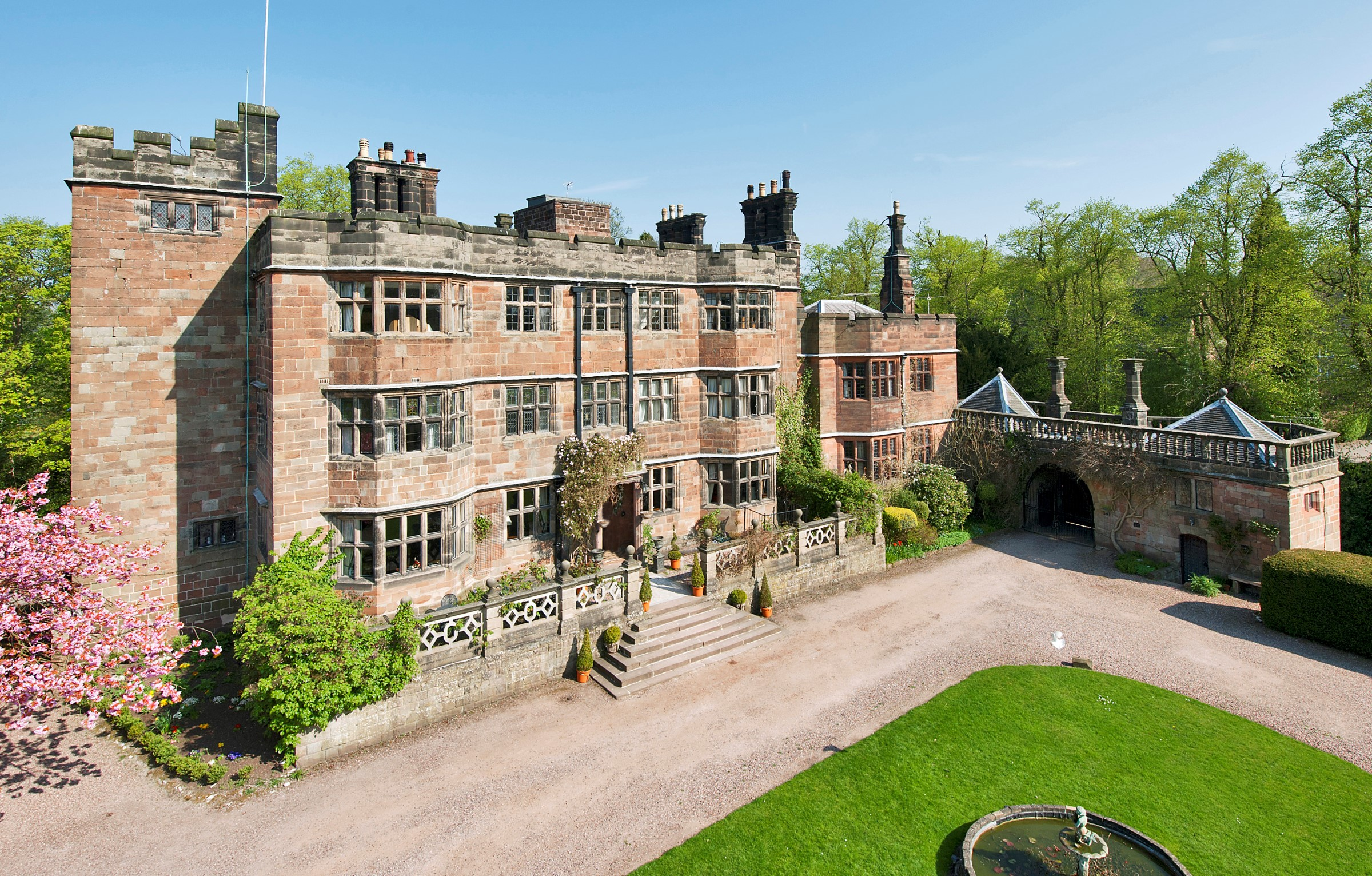 Maison unifamiliale pour l Vente à Moated Castle Blythe Bridge Road Stoke On Trent, Angleterre, ST119EA Royaume-Uni