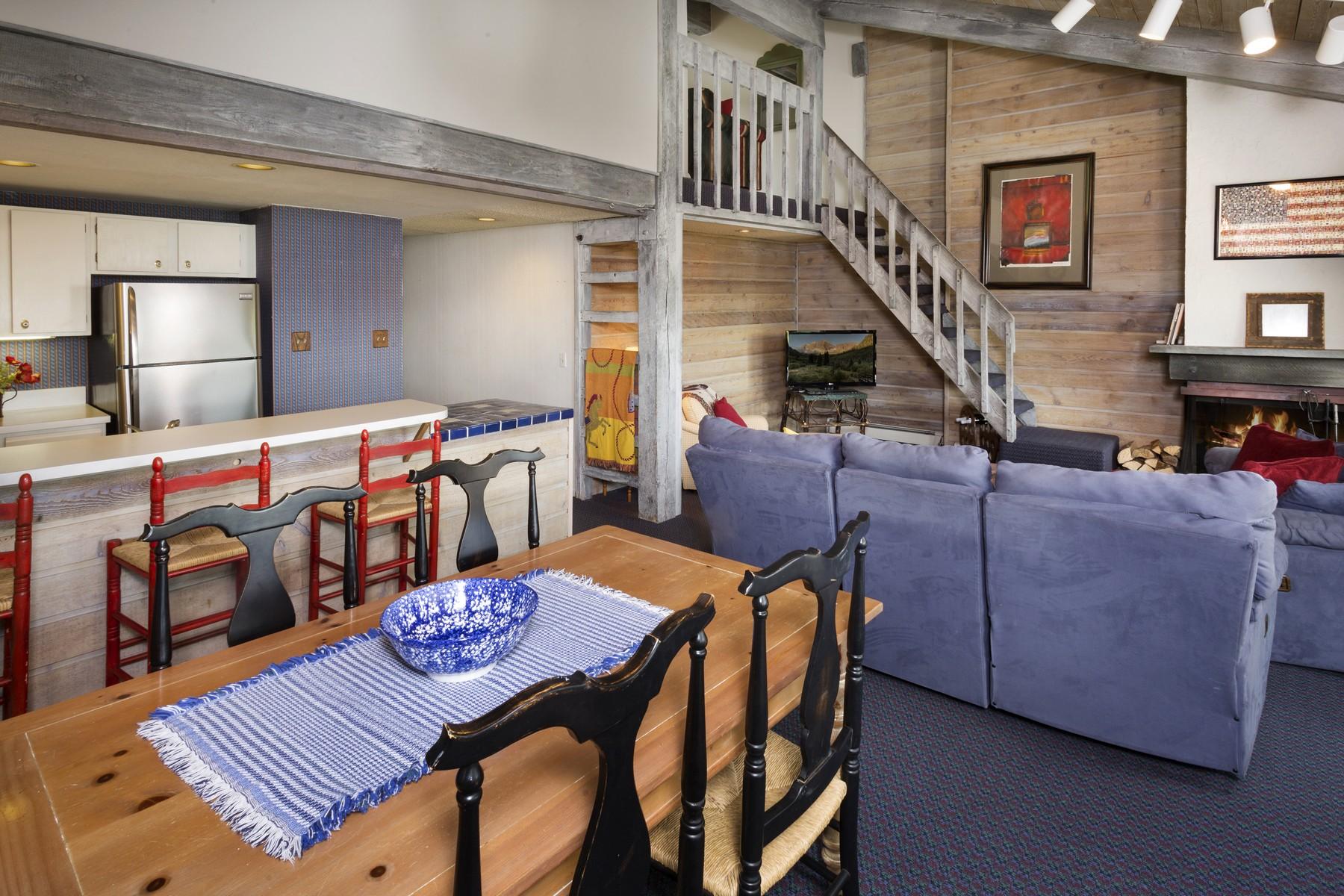 Condomínio para Venda às Snowmass Mountain E-3 55 Upper Woodbridge Road E-3 Snowmass Village, Colorado 81615 Estados Unidos