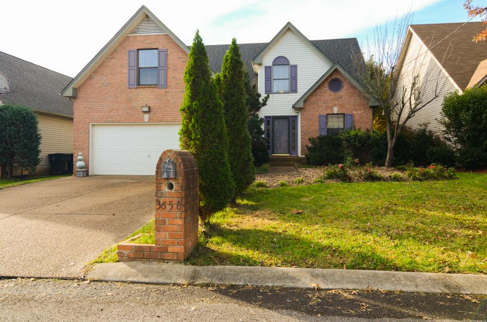 단독 가정 주택 용 매매 에 Sweet Home in Nashville Suburb 3656 Burwick Place Antioch, 테네시 37013 미국