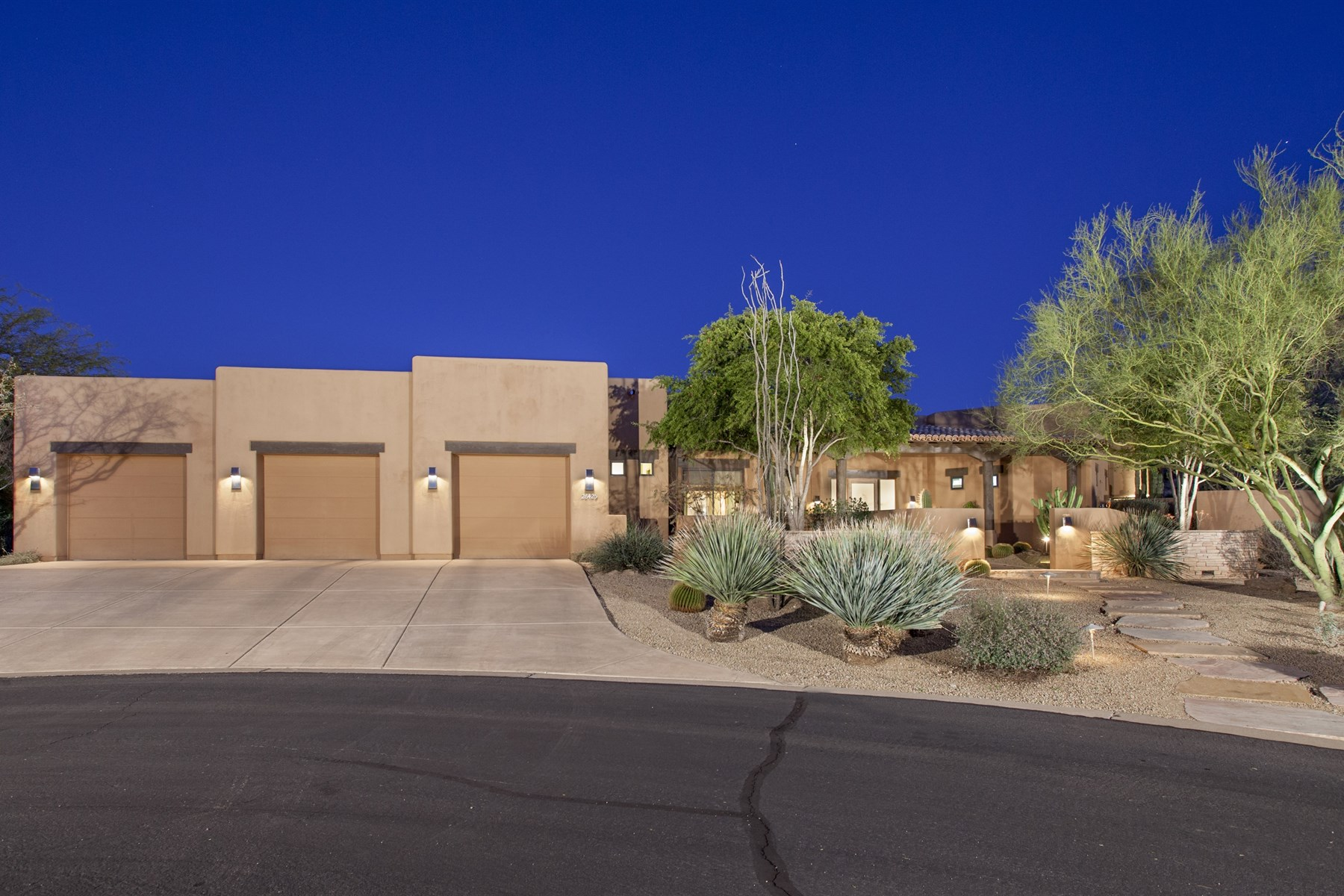 Single Family Home for Sale at Pristine soft contemporary home. 26425 N 107TH WAY Scottsdale, Arizona 85255 United States