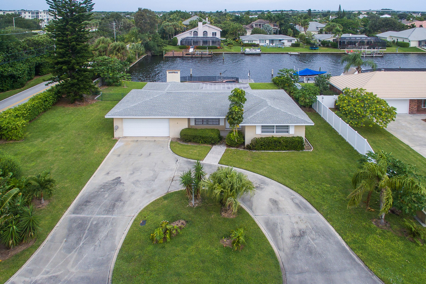 Single Family Home for Sale at Amazing Pool Home with Deep Water Dock 26 Park Avenue Vero Beach, Florida, 32960 United States