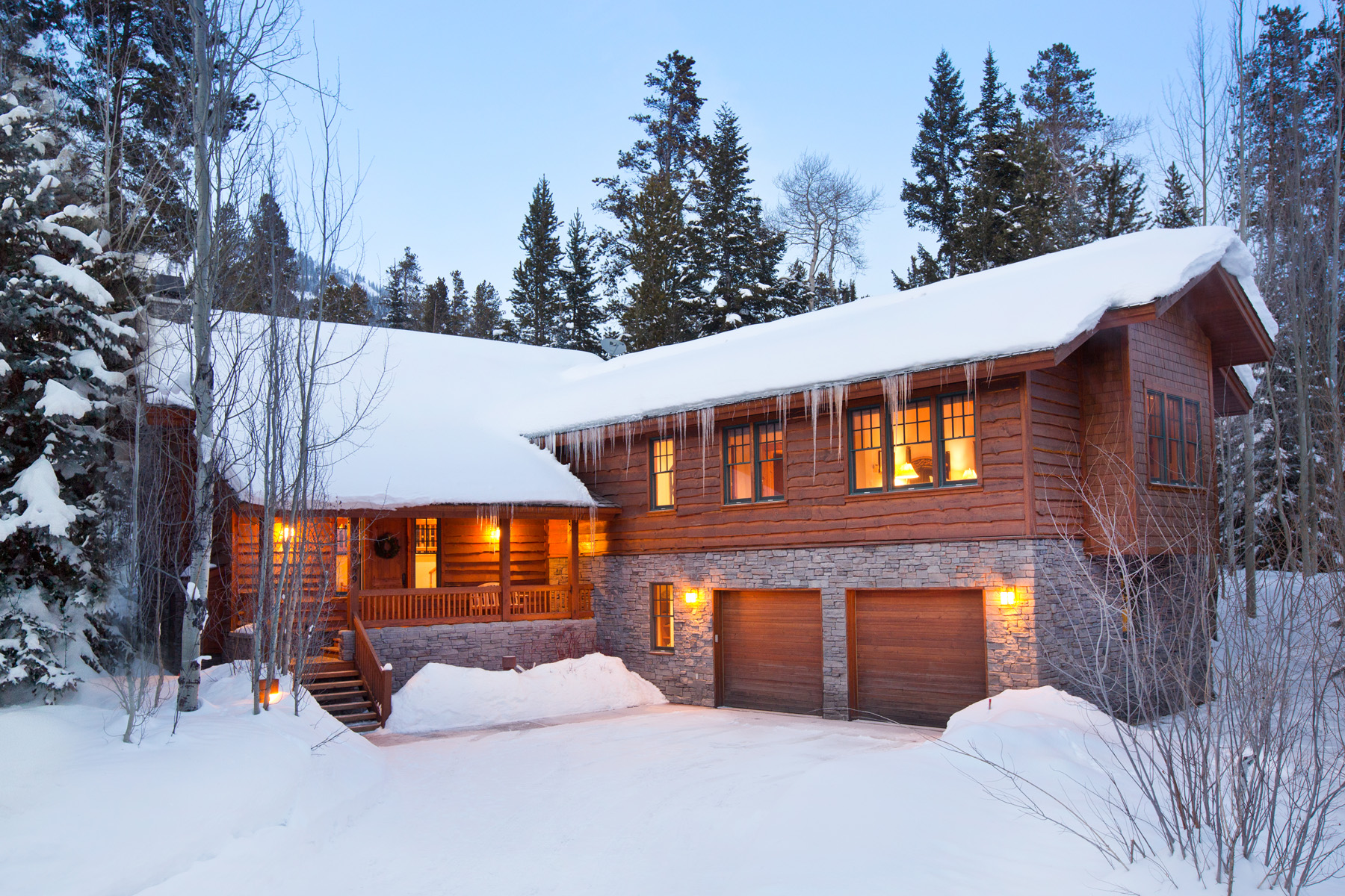 타운하우스 용 매매 에 Jackson Hole Ski in/Ski Out Town home 3129 Arrowhead Road Teton Village, 와이오밍, 83025 Jackson Hole, 미국