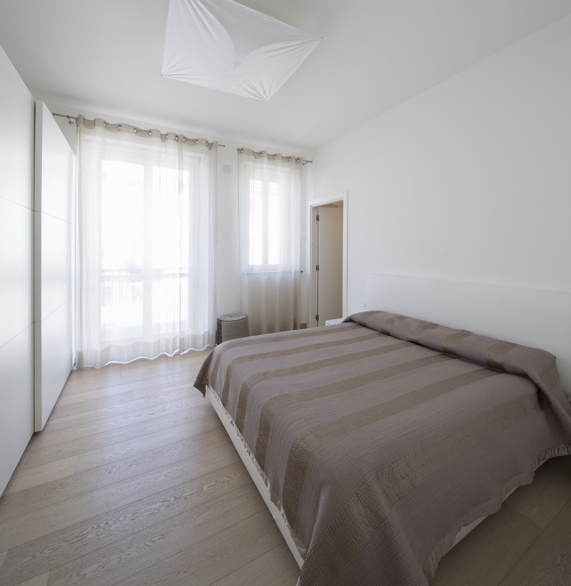 Additional photo for property listing at Exclusive Apartment a short walk from Piazza San Carlo Via Alfieri Turin, Turin 10121 Italy