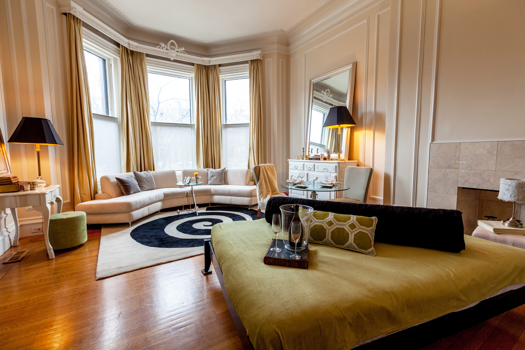 Condominio por un Venta en Beautiful Parlor Level Residence 148 Commonwealth Ave Unit 101 Back Bay, Boston, Massachusetts 02116 Estados Unidos