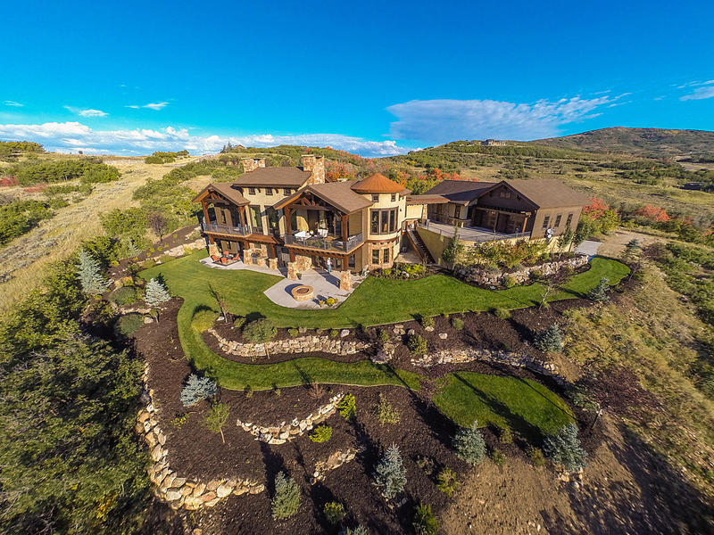 Casa Unifamiliar por un Venta en Stunning Mountain Estate with Serenity and Views 1555 Red Hawk Trl Park City, Utah 84098 Estados Unidos