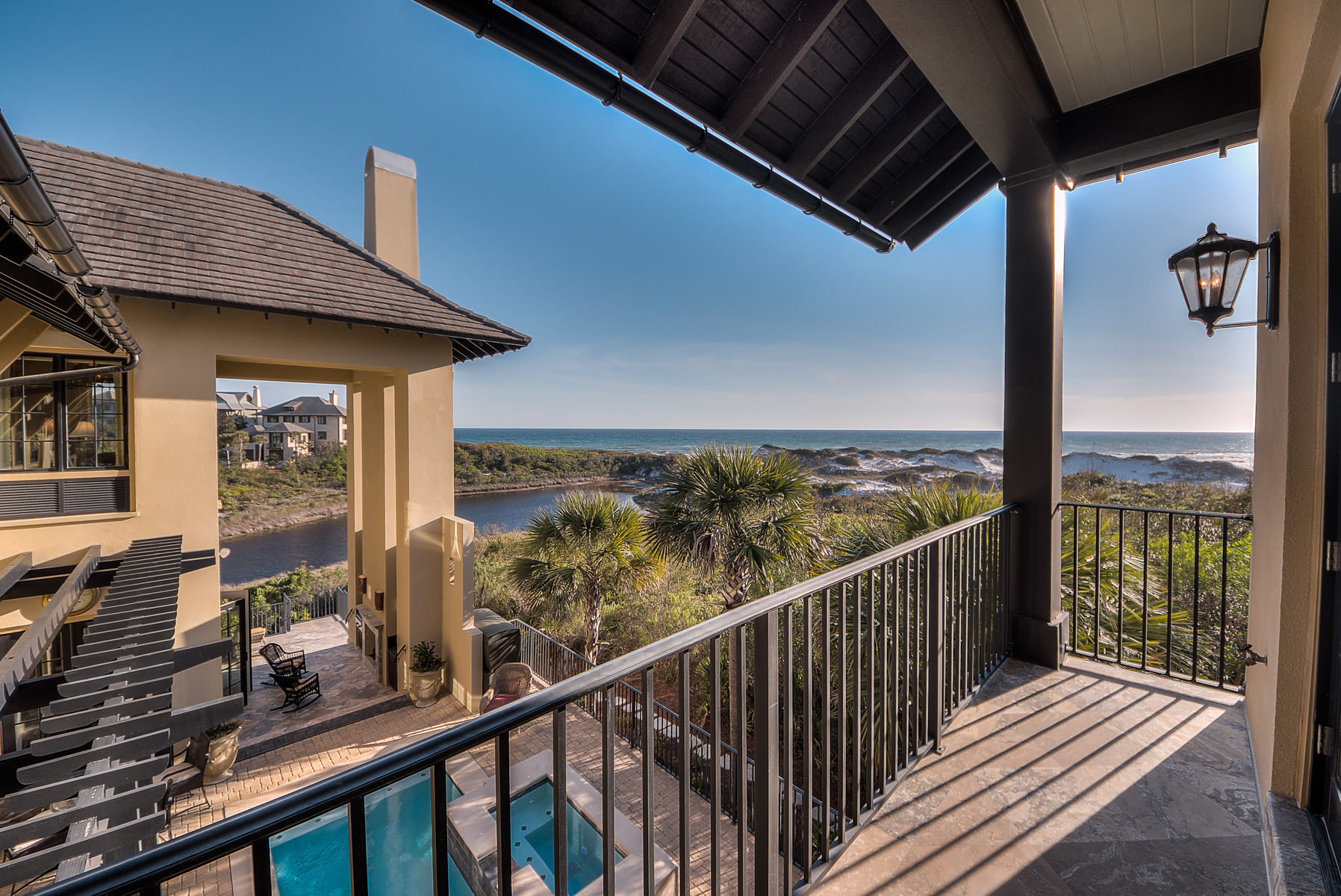 Moradia para Venda às LUXURY HOME WITH SPECTACULAR VIEWS AT THE RETREAT 231 W Bermuda Drive Santa Rosa Beach, Florida, 32459 Estados Unidos