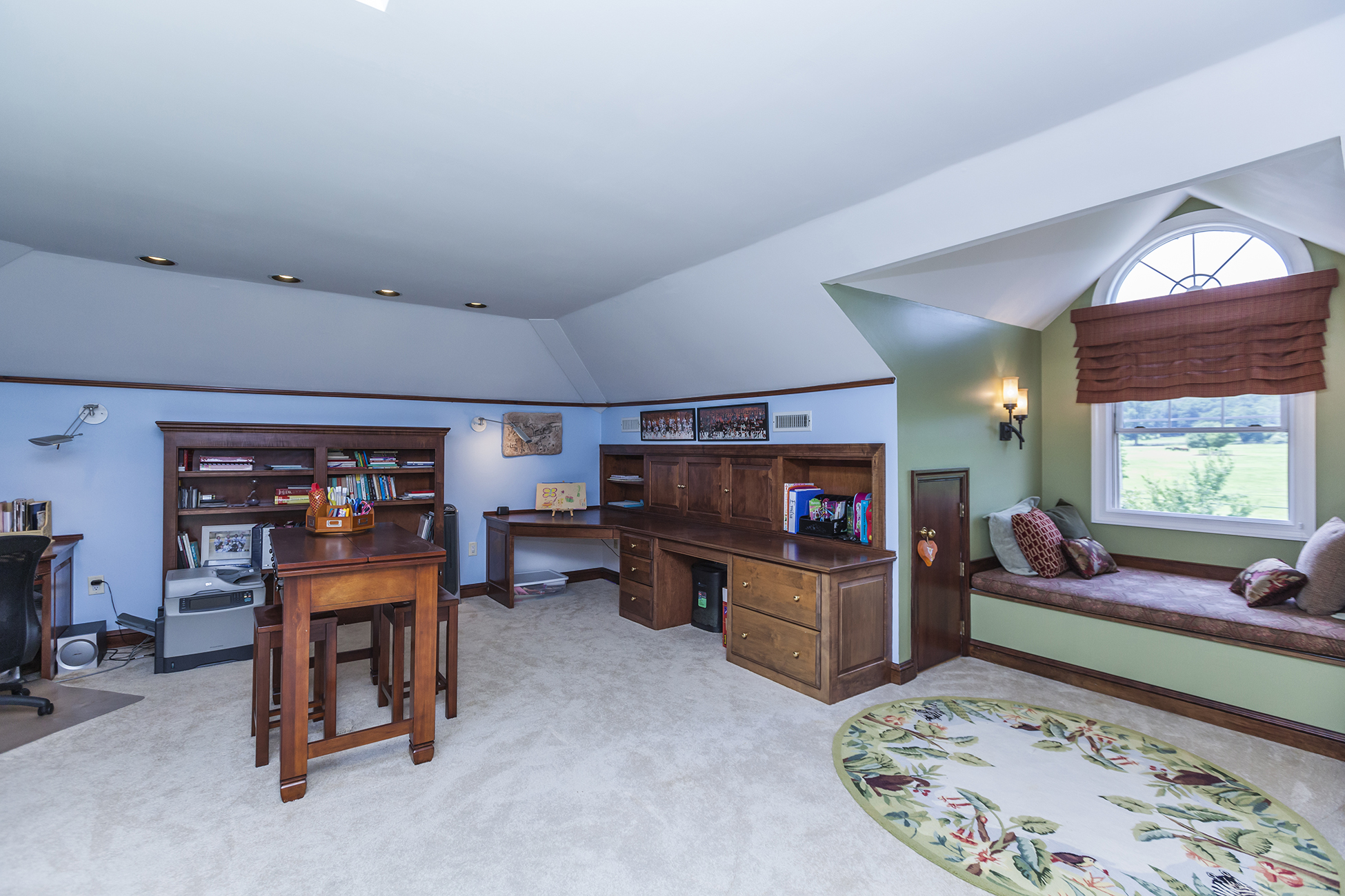 Additional photo for property listing at Live in Spa Luxury - Hopewell Township 2 Nobadeer Drive Pennington, Нью-Джерси 08534 Соединенные Штаты
