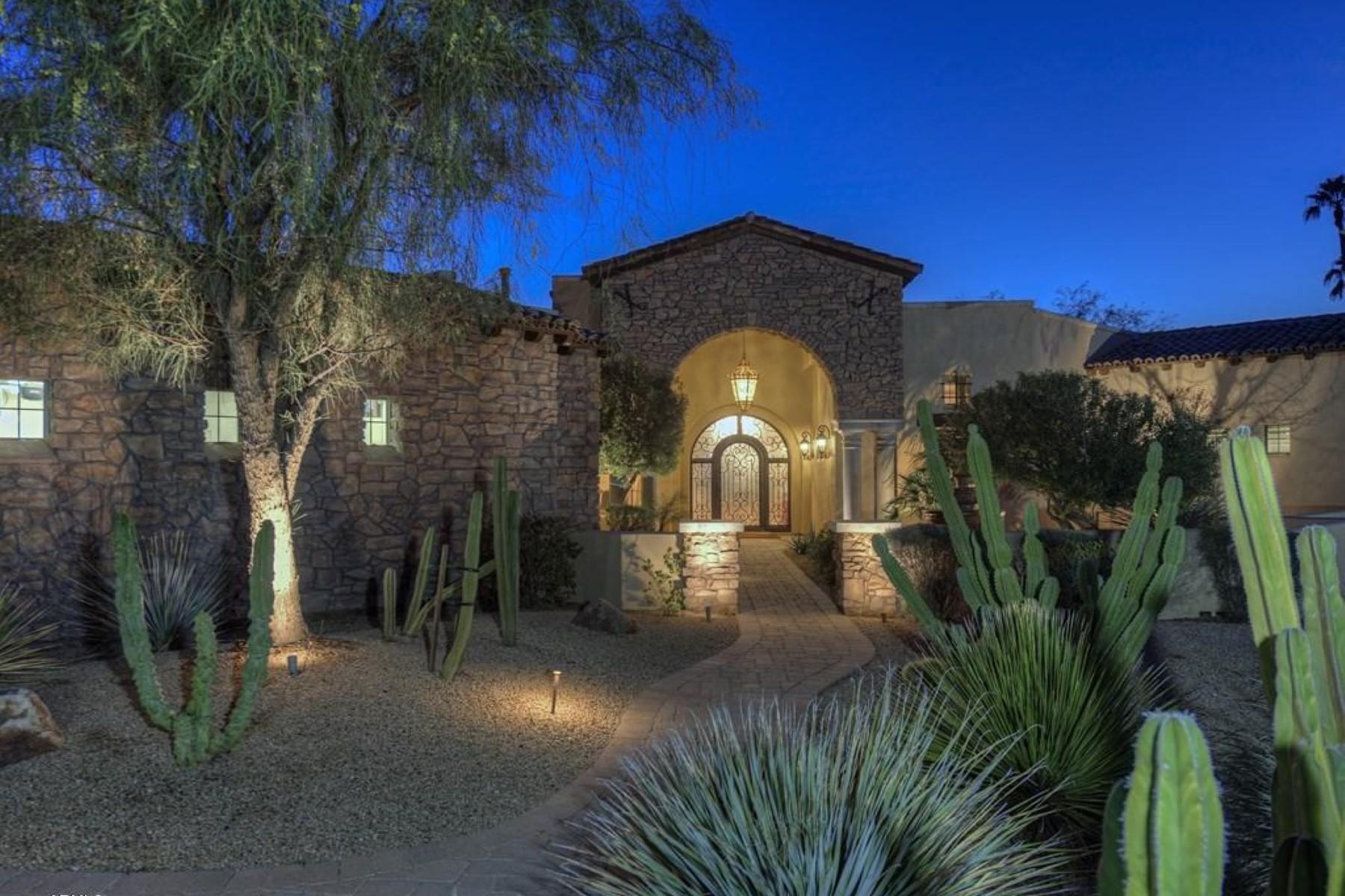 Vivienda unifamiliar por un Venta en Impressive custom built home on a private cul de sac lot 7429 E Edward Ln Scottsdale, Arizona 85250 Estados Unidos