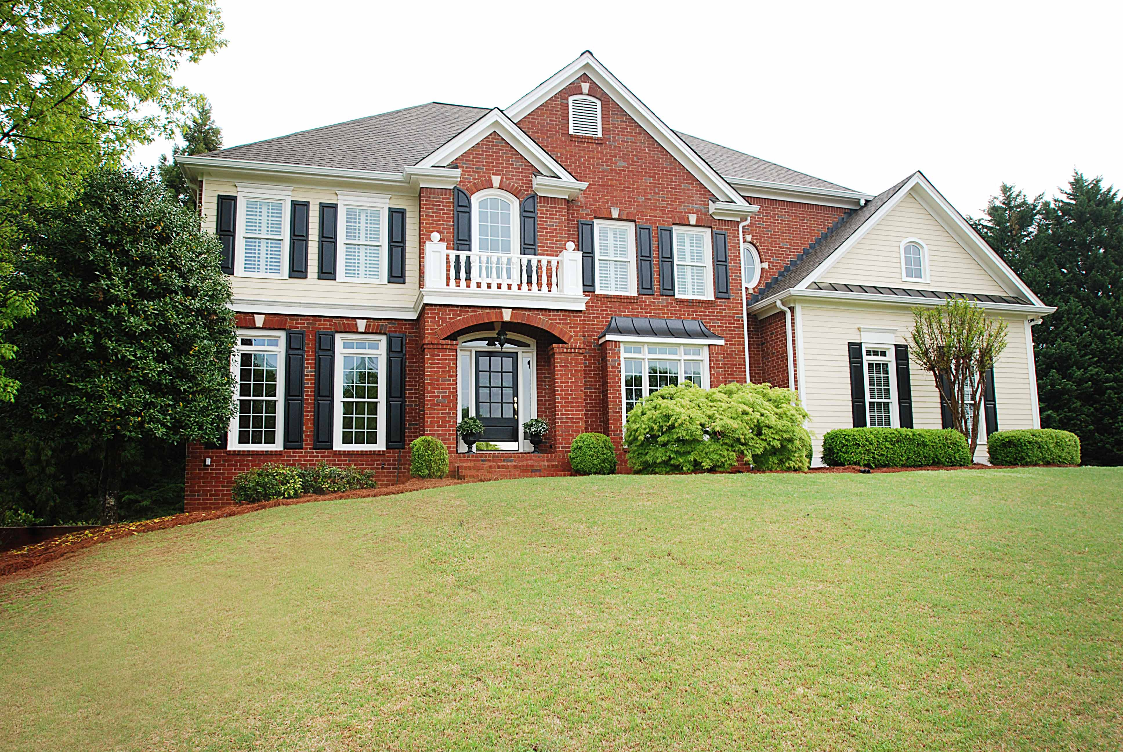 Single Family Home for Sale at Pristine Roswell Home 5005 Rosedown Place Roswell, Georgia 30076 United States
