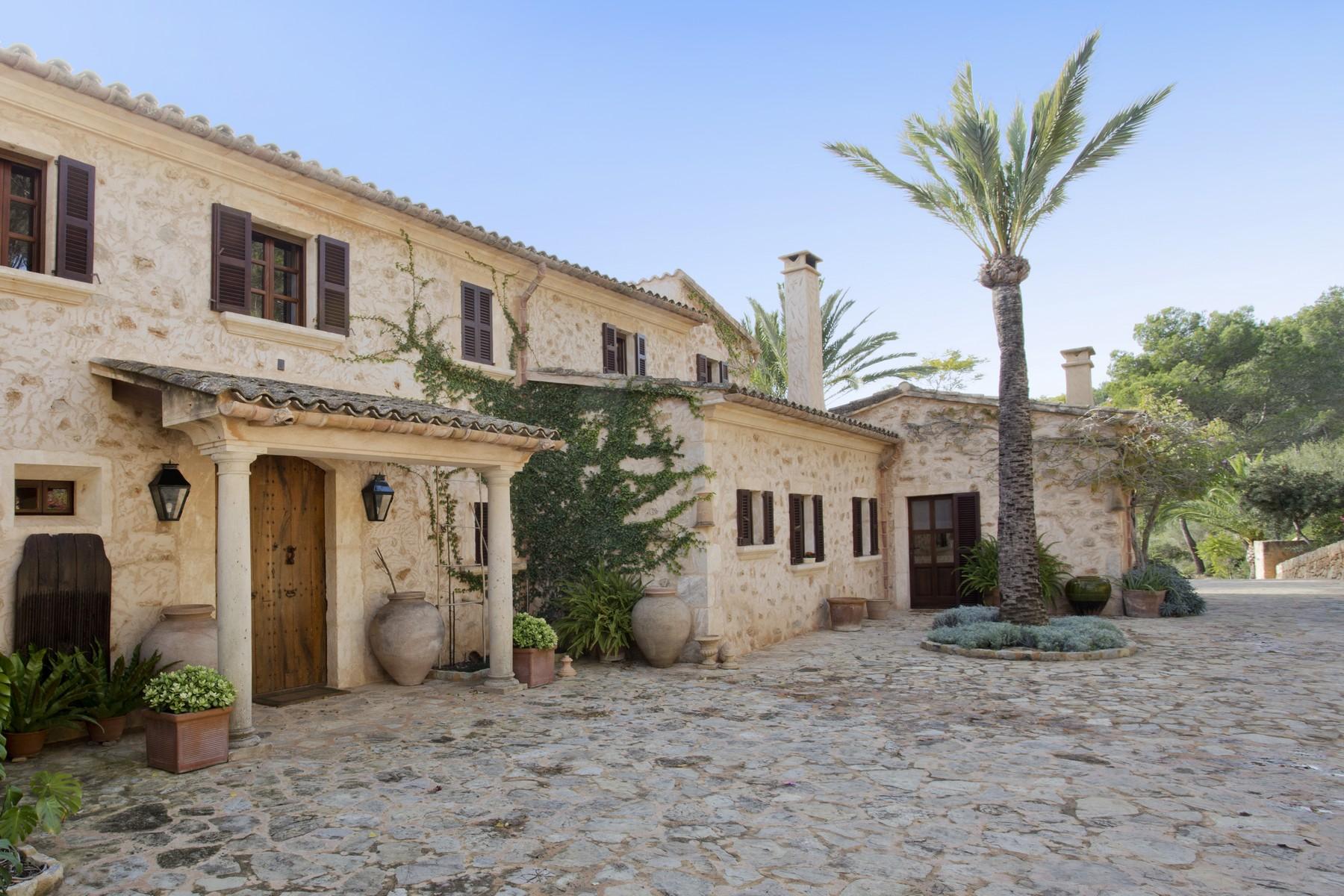 Single Family Home for Sale at Charming country house in Son Macia Porto Cristo, Mallorca 07001 Spain