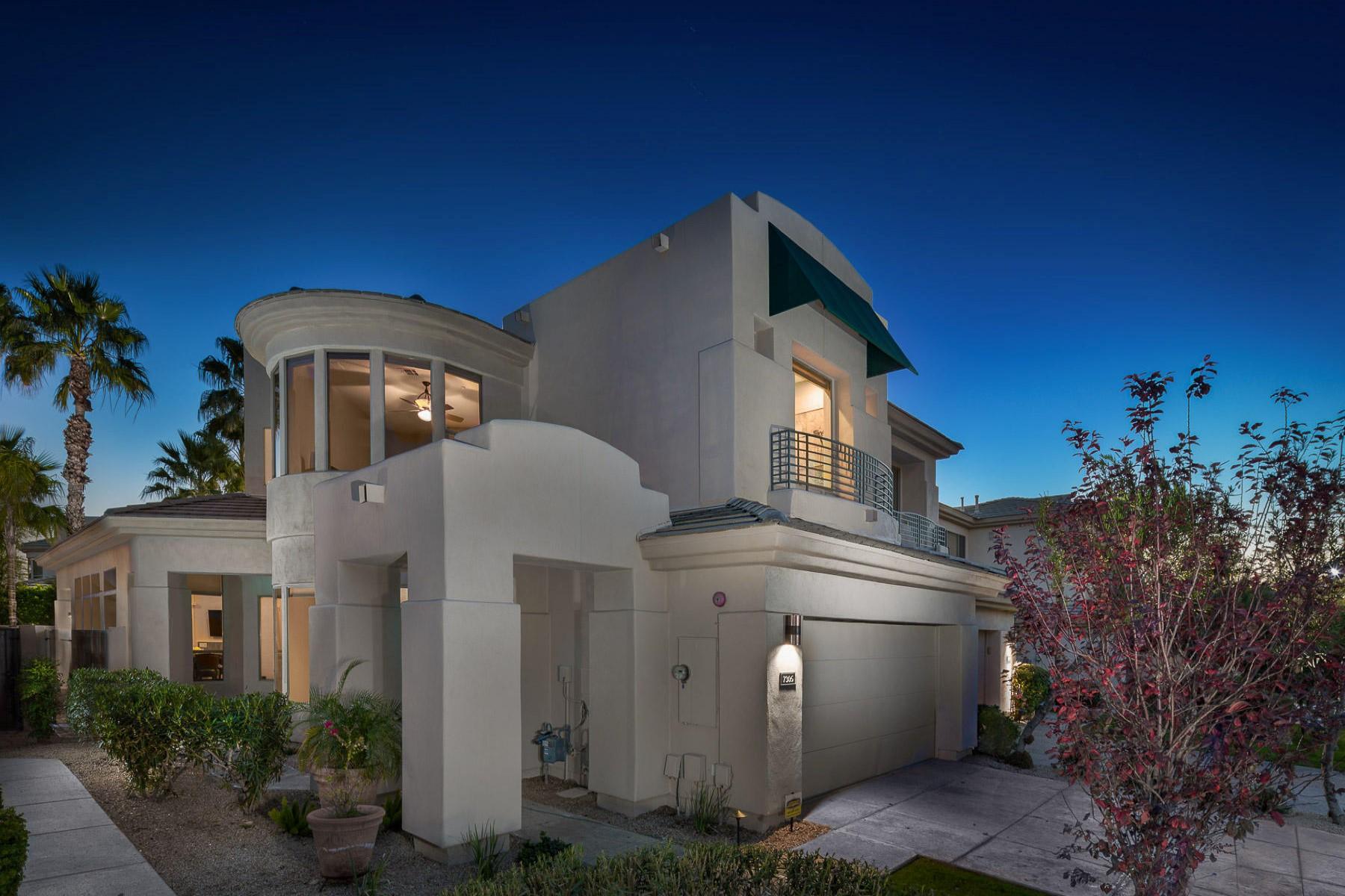 Townhouse for Sale at Stunning Scottsdale home 7305 E Del Acero Dr Scottsdale, Arizona, 85258 United States
