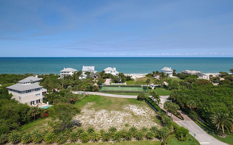 Terreno por un Venta en Gorgeous Oceanview Homesite 2335 Sanderling Ln Vero Beach, Florida, 32963 Estados Unidos