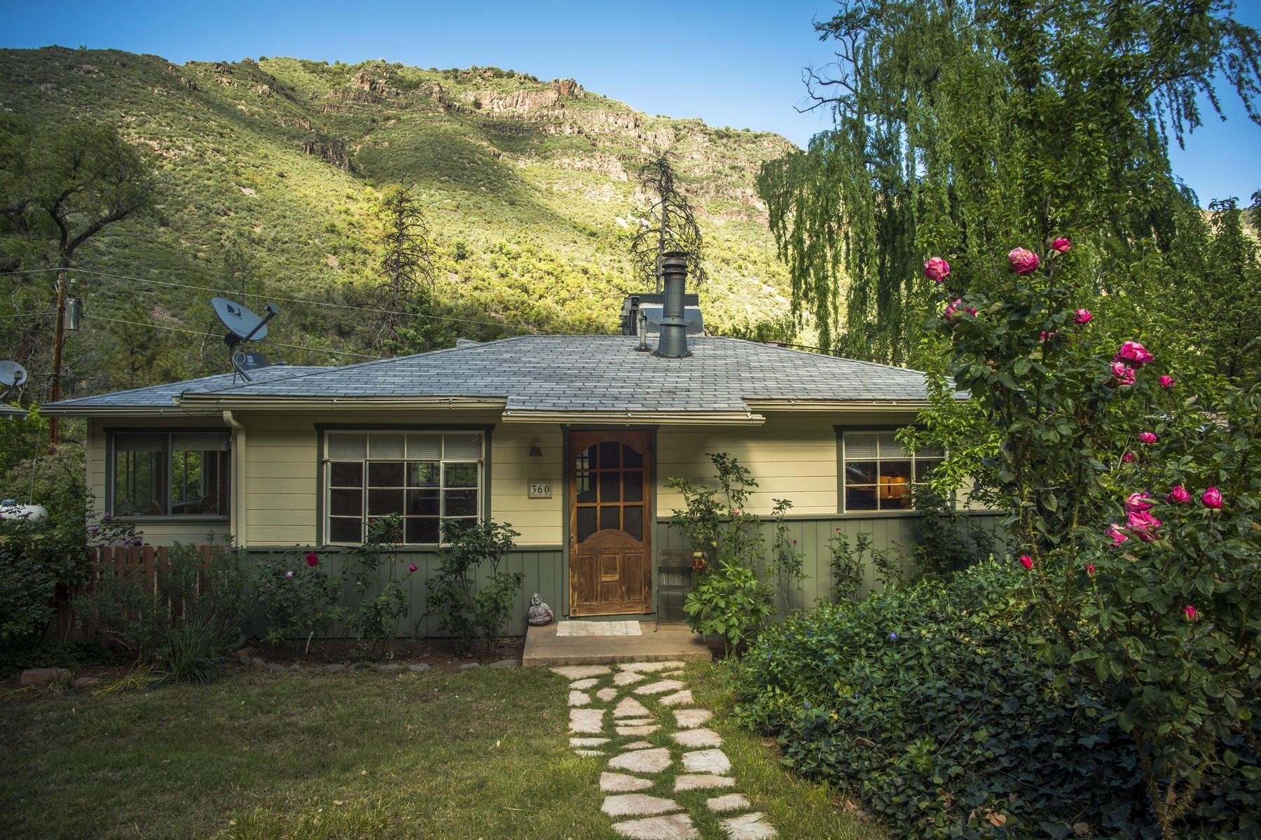 Einfamilienhaus für Verkauf beim Get-away in Sedona's famous Oak Creek Canyon 360 Staggs Loop Drive Sedona, Arizona 86336 Vereinigte Staaten