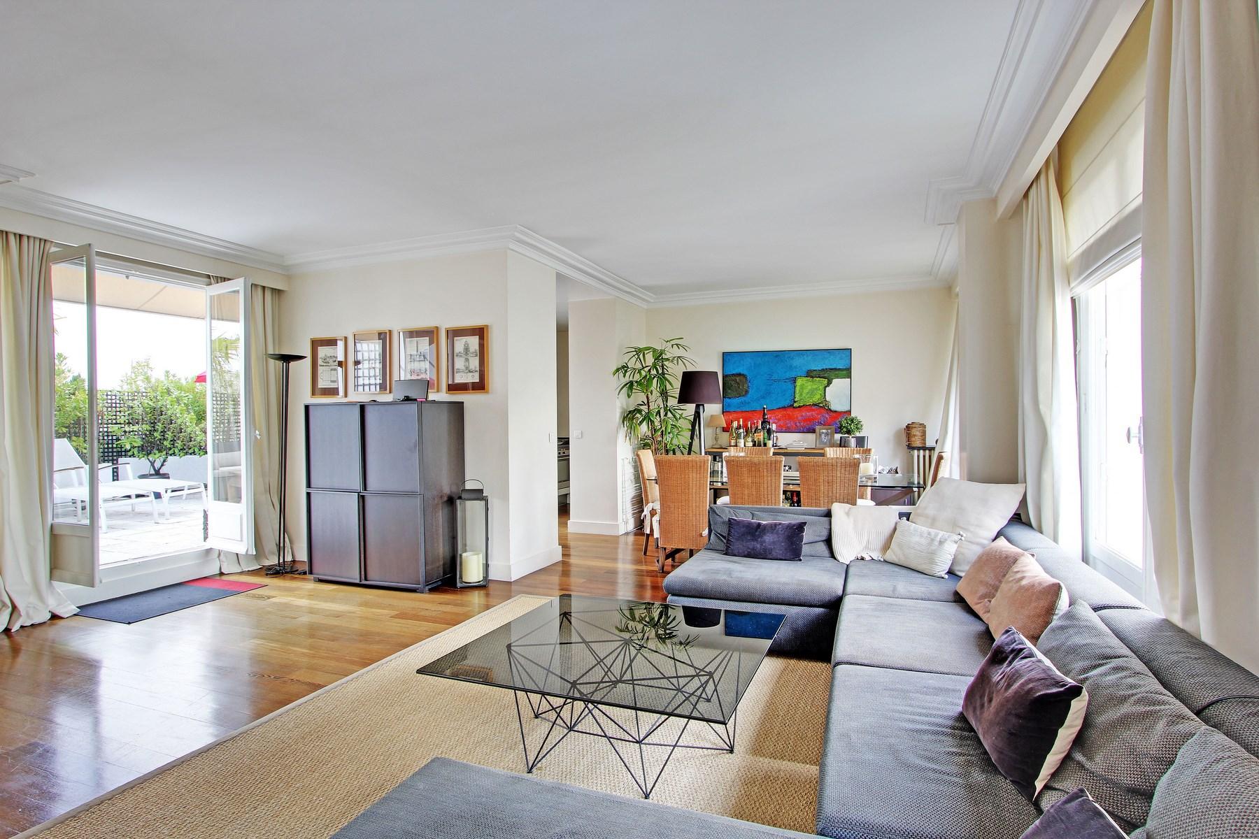 Apartman Dairesi için Satış at Penthouse - Longchamp Paris, Paris 75116 Fransa