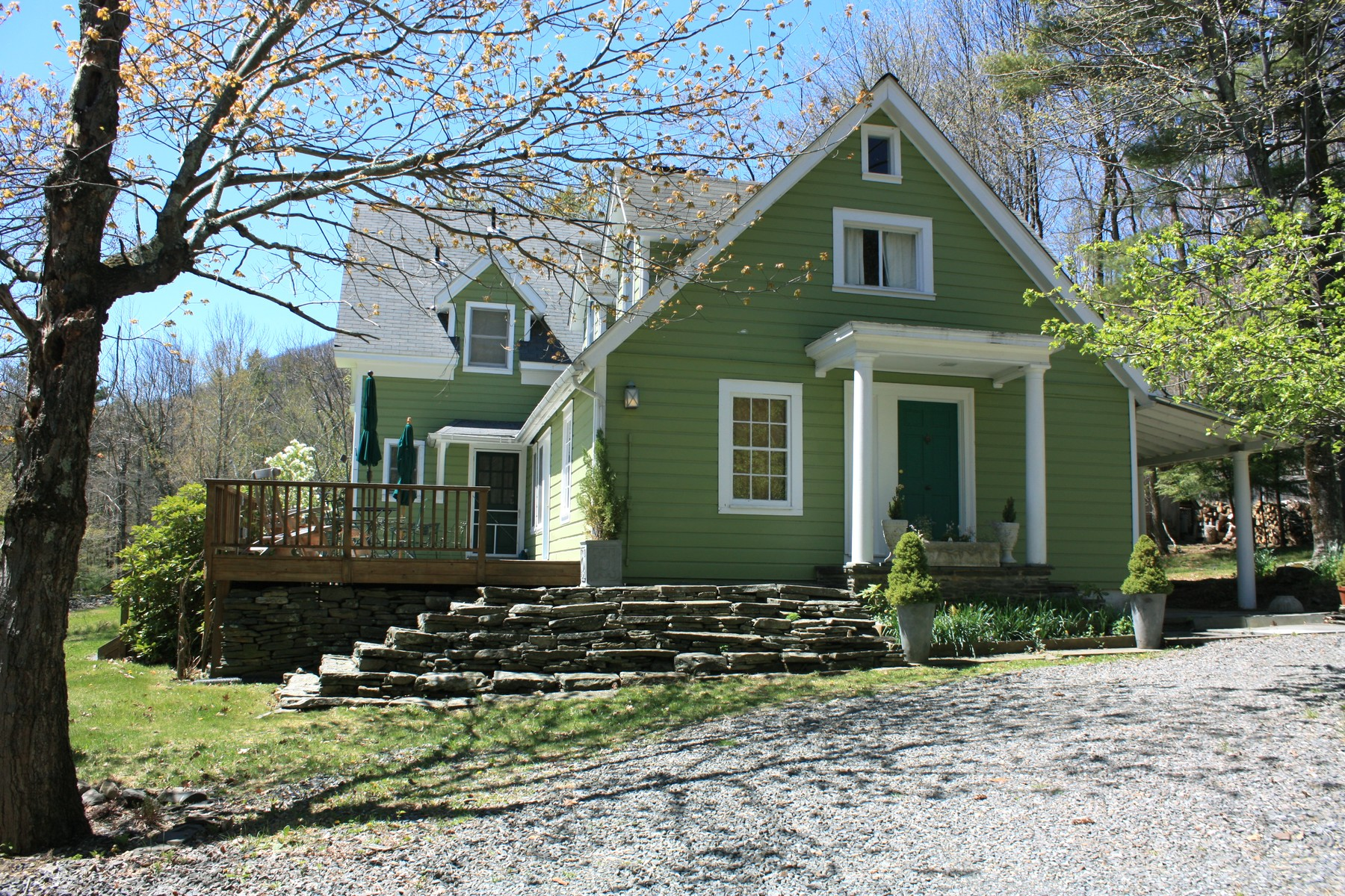 Single Family Home for Sale at Serene Woodstock Cottage 289 Mead Mountain Rd Woodstock, New York 12498 United States