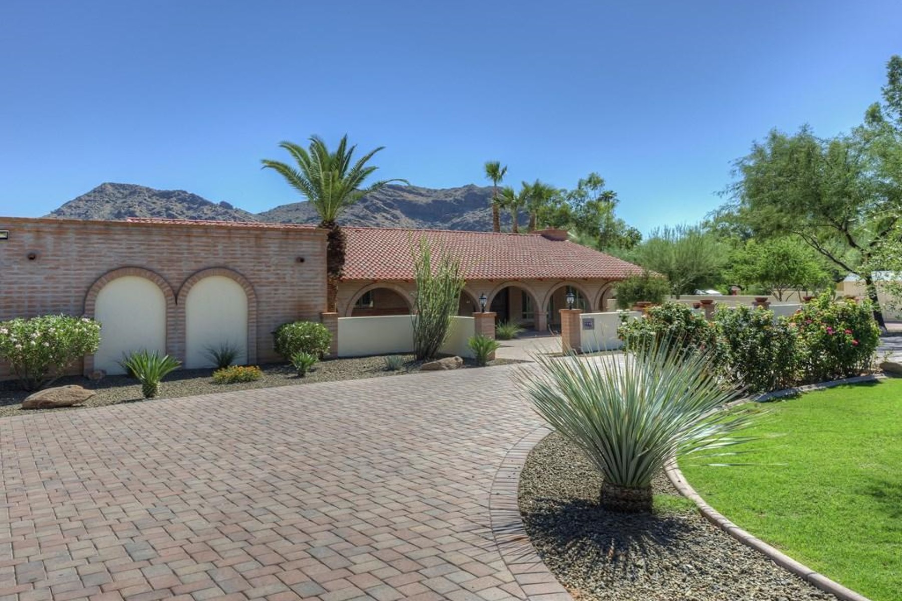 Single Family Home for Sale at Surrounded by mountain views in the heart of Paradise Valley 7745 N Tatum Blvd Paradise Valley, Arizona 85253 United States