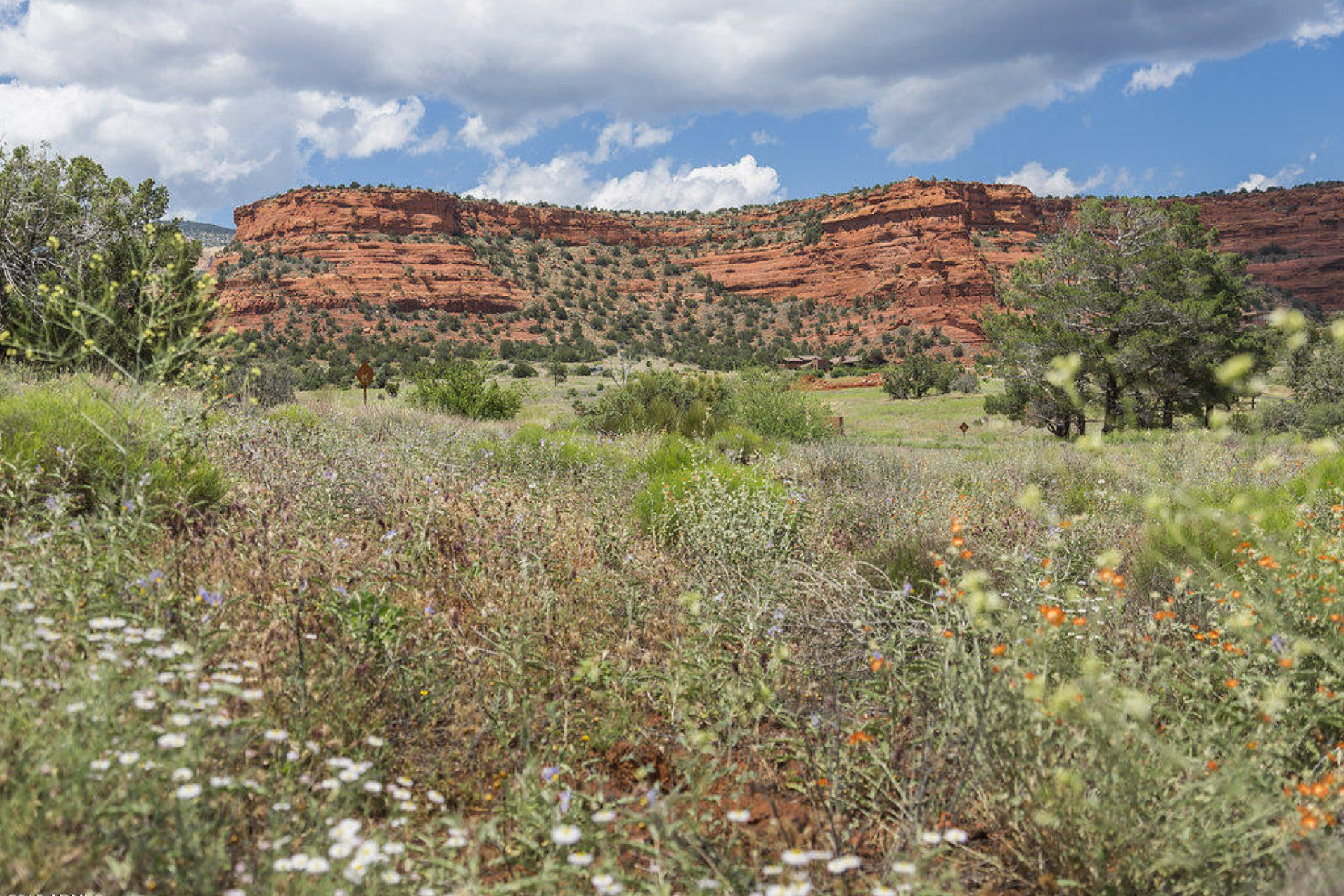 Land for Sale at Aerie Lot 29 - Stunnig 2.59 acre parcel with expansive views of Sedona red rock. 360 Aerie RD 29 Sedona, Arizona 86336 United States