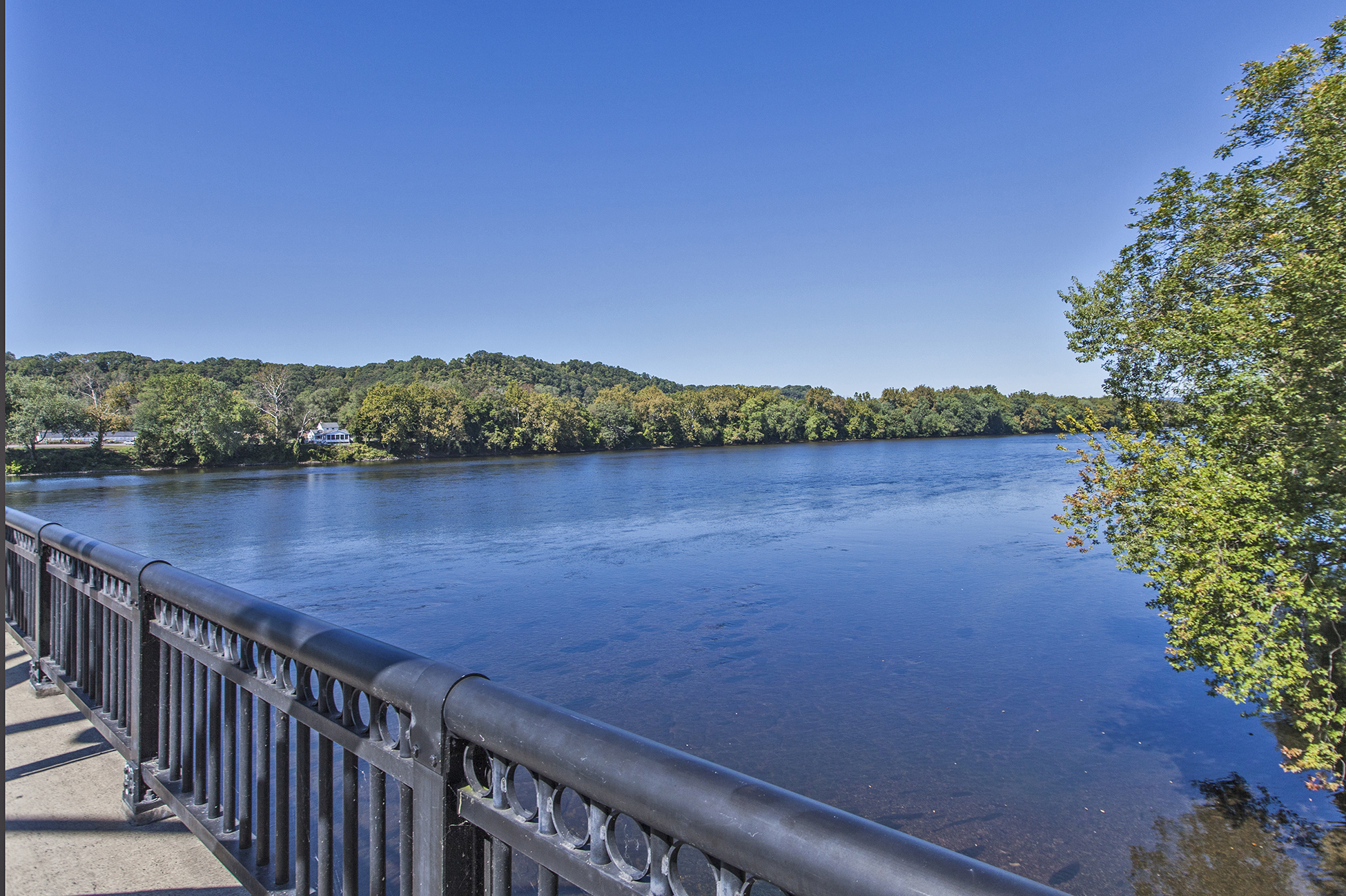 Additional photo for property listing at Twenty Outstanding Waterfront Townhouses 7 2nd Street C5 Frenchtown, Nueva Jersey 08825 Estados Unidos