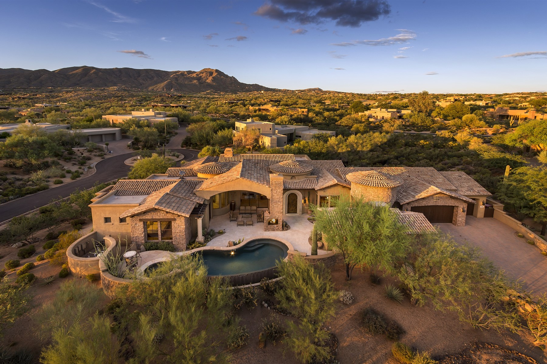Single Family Home for Sale at Custom home designed by renowned home designer Beaux Graffin 10189 E Palo Brea Dr Scottsdale, Arizona, 85262 United States