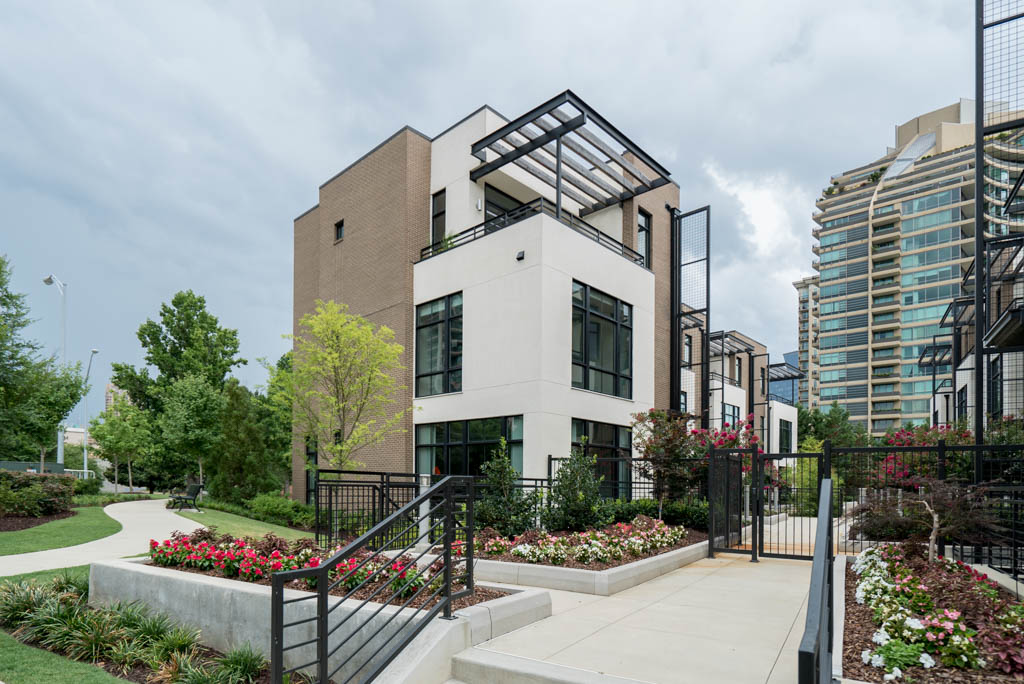 Additional photo for property listing at Sophisticated Townhome In The Heart Of Buckhead 721 Longleaf Drive NE Unit 11 Atlanta, Geórgia 30342 Estados Unidos