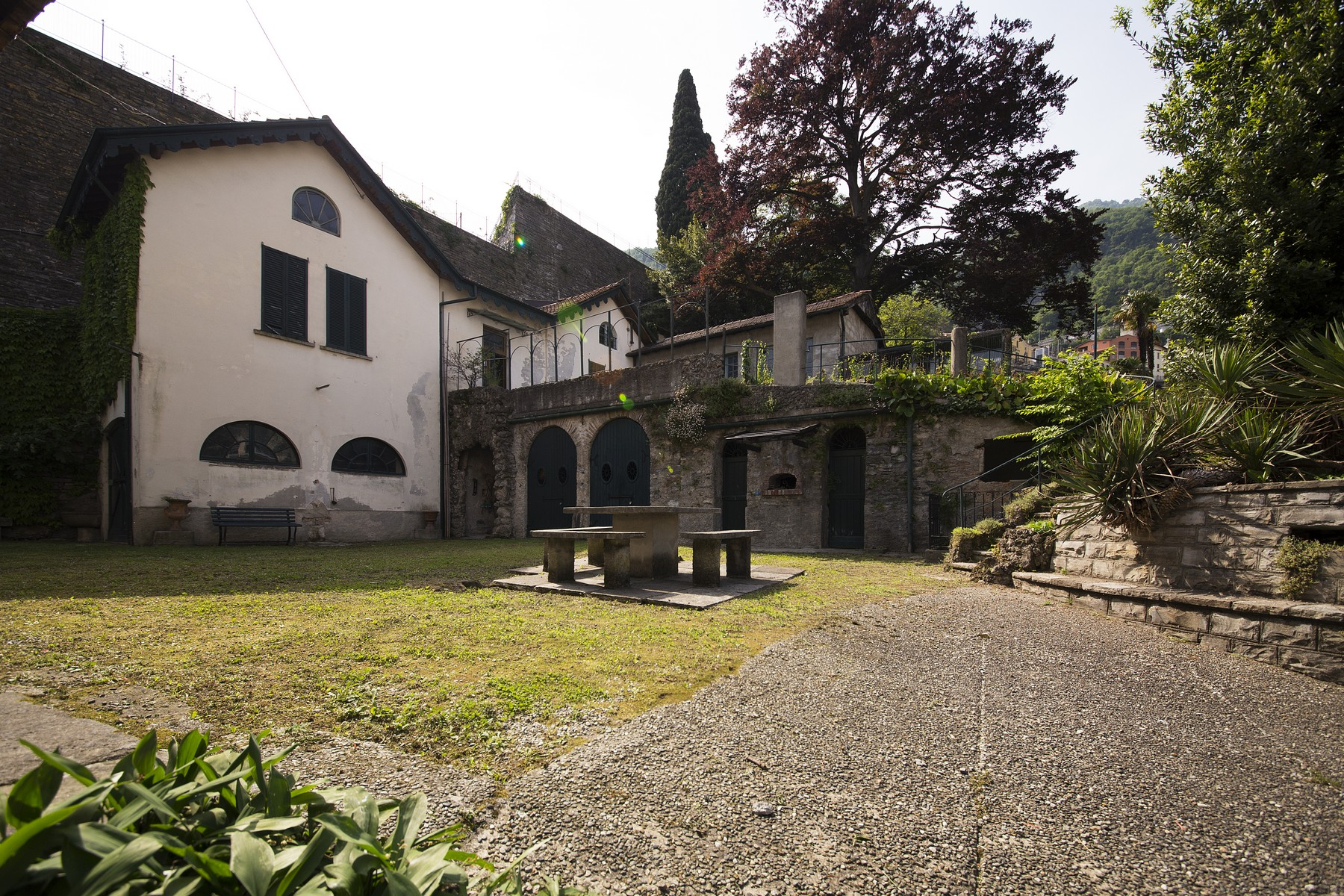 Maison unifamiliale pour l Vente à Charming property close to the shore of the lake Via Raschi Moltrasio, Como 22010 Italie