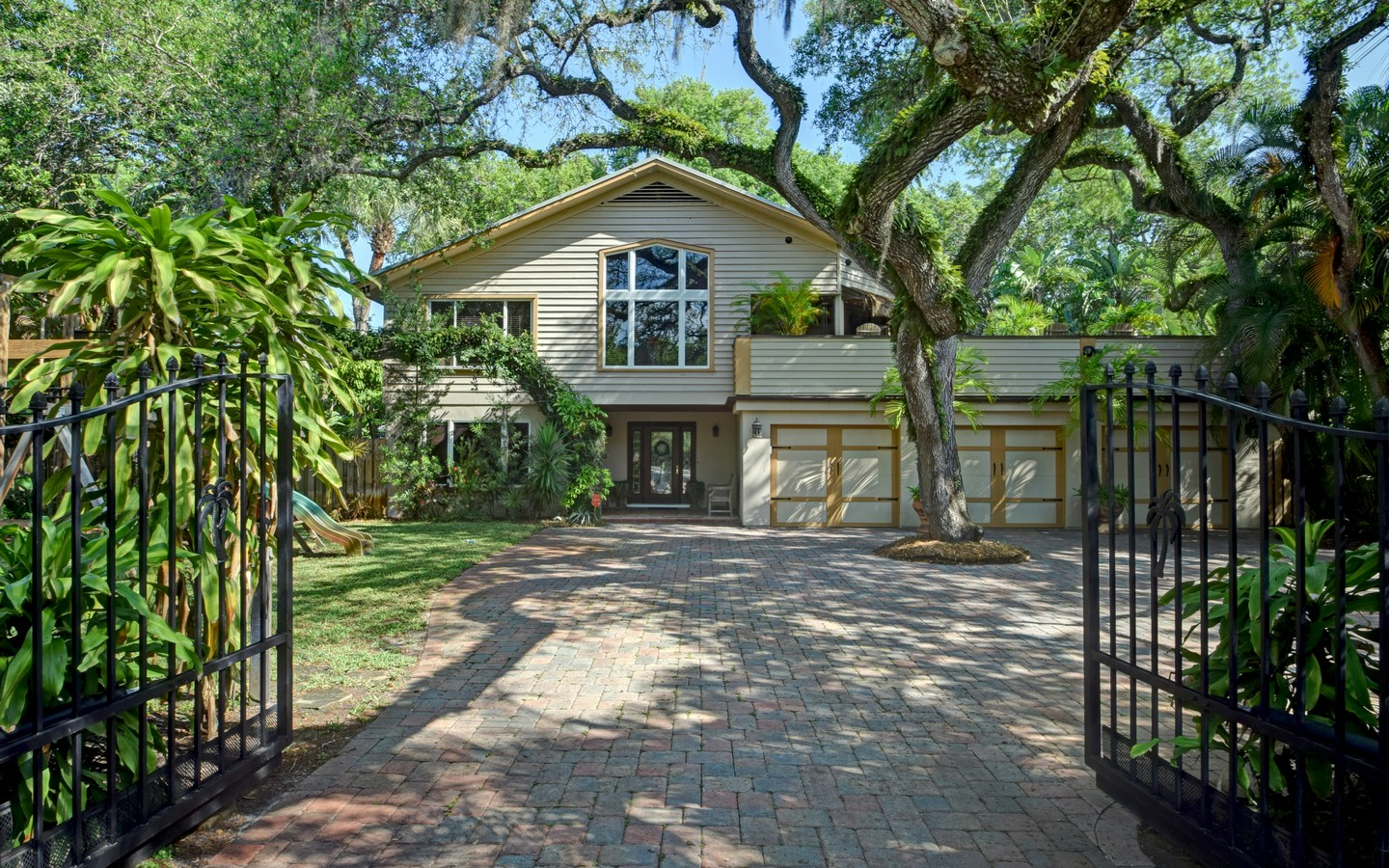 Single Family Home for Sale at Custom, Unique & Gated Oasis in Central Beach 535 Date Palm Rd Vero Beach, Florida, 32963 United States