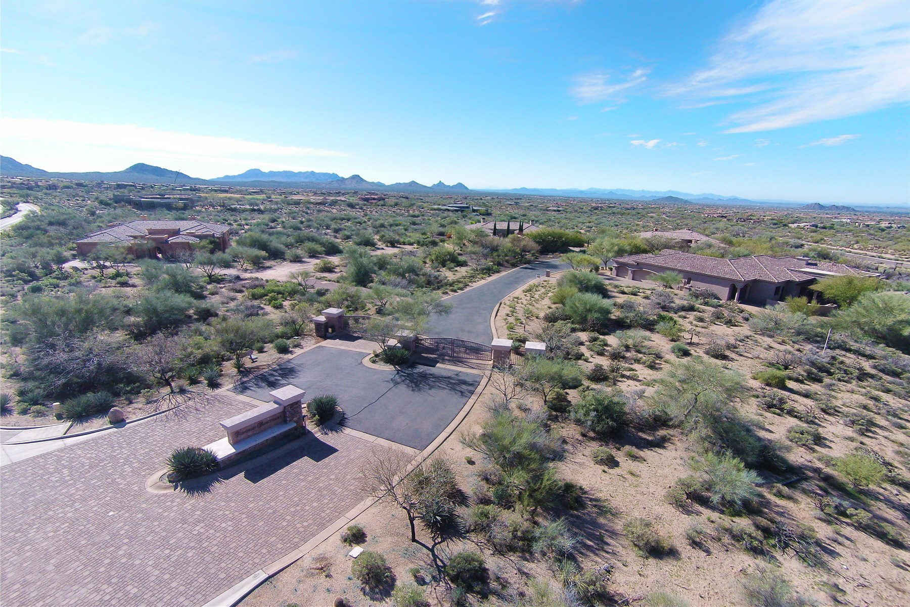 Terrain pour l Vente à Spacious Lot Located in a Gated Community 10619 E Rising Sun Drive 5 Scottsdale, Arizona 85262 États-Unis