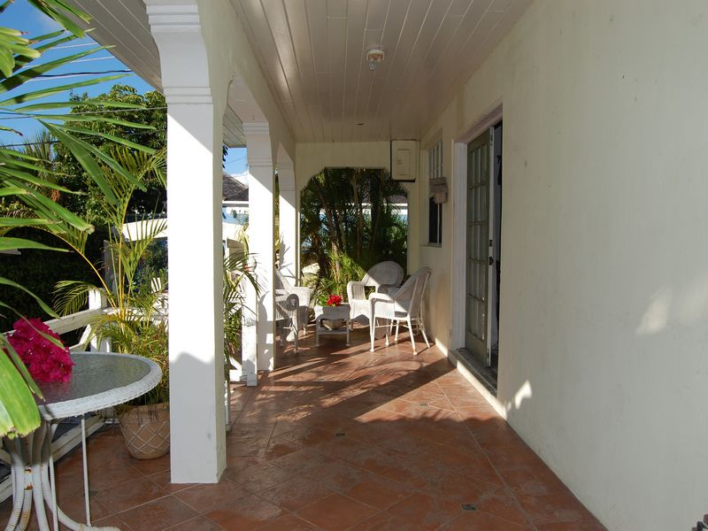 Additional photo for property listing at Harbour Island Charm Harbour Island, Eleuthera Bahamas