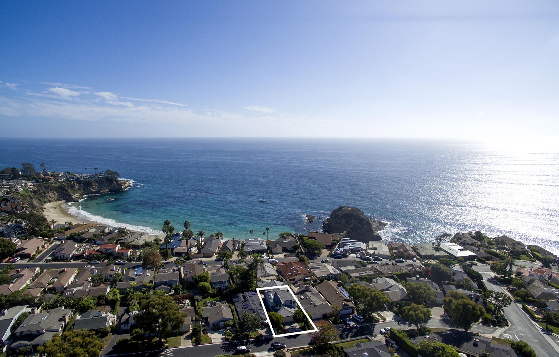 Maison unifamiliale pour l Vente à 14 S Portola Laguna Beach, Californie 92651 États-Unis