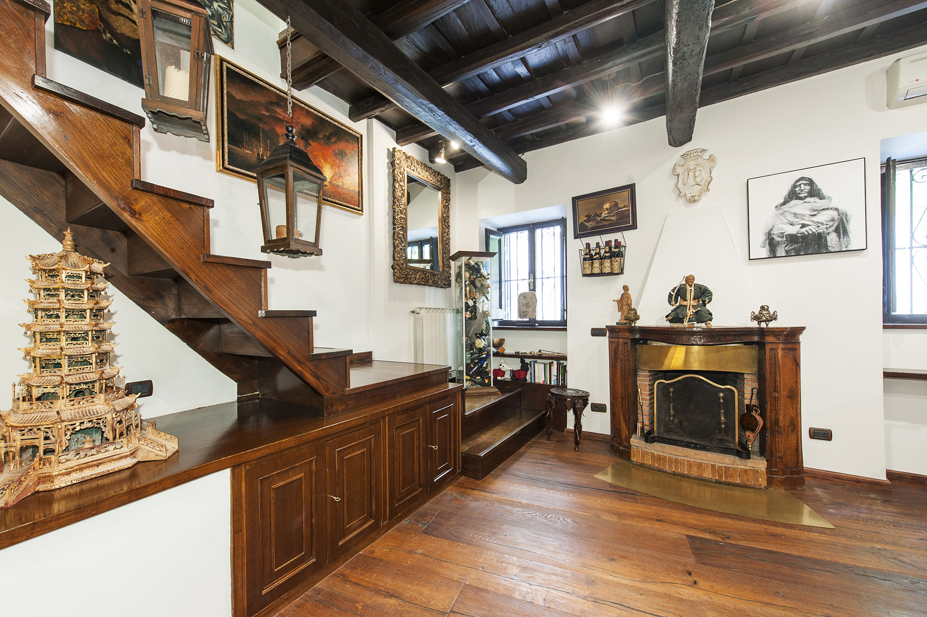 Additional photo for property listing at Charming townhouse in the city center Rome, Rome Italien