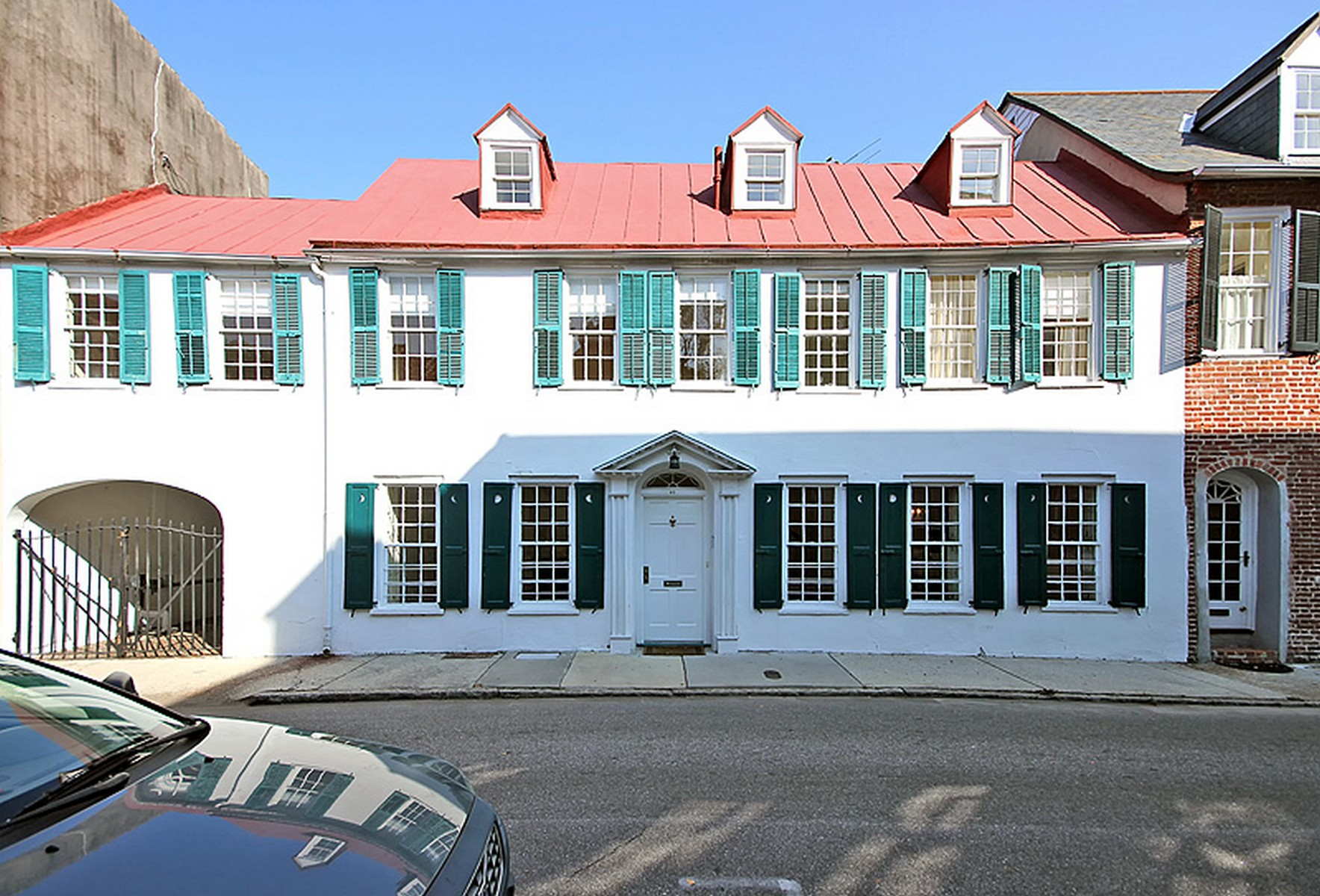 Villa per Vendita alle ore Circa 1718 South of Broad House 40 Tradd Street Charleston, Carolina Del Sud 29401 Stati Uniti