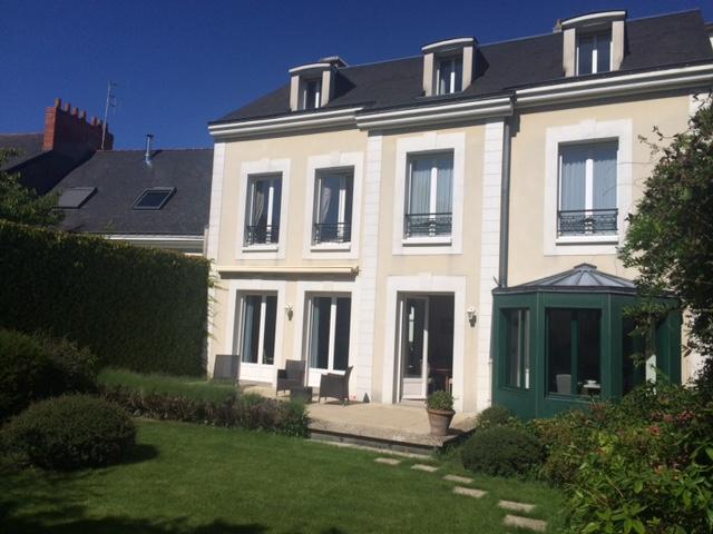 Villa per Vendita alle ore IDÉAL FAMILLE, MAISON RECENTE SUR RUE CALME Nantes, Paesi Della Loira 44000 Francia