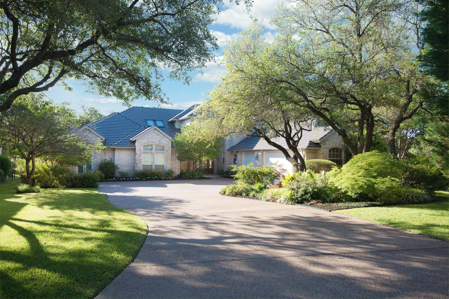 Single Family Home for Sale at Stunning Eagle Mountain Lake Waterfront 8500 Stonebrook Court Fort Worth, Texas, 76179 United States